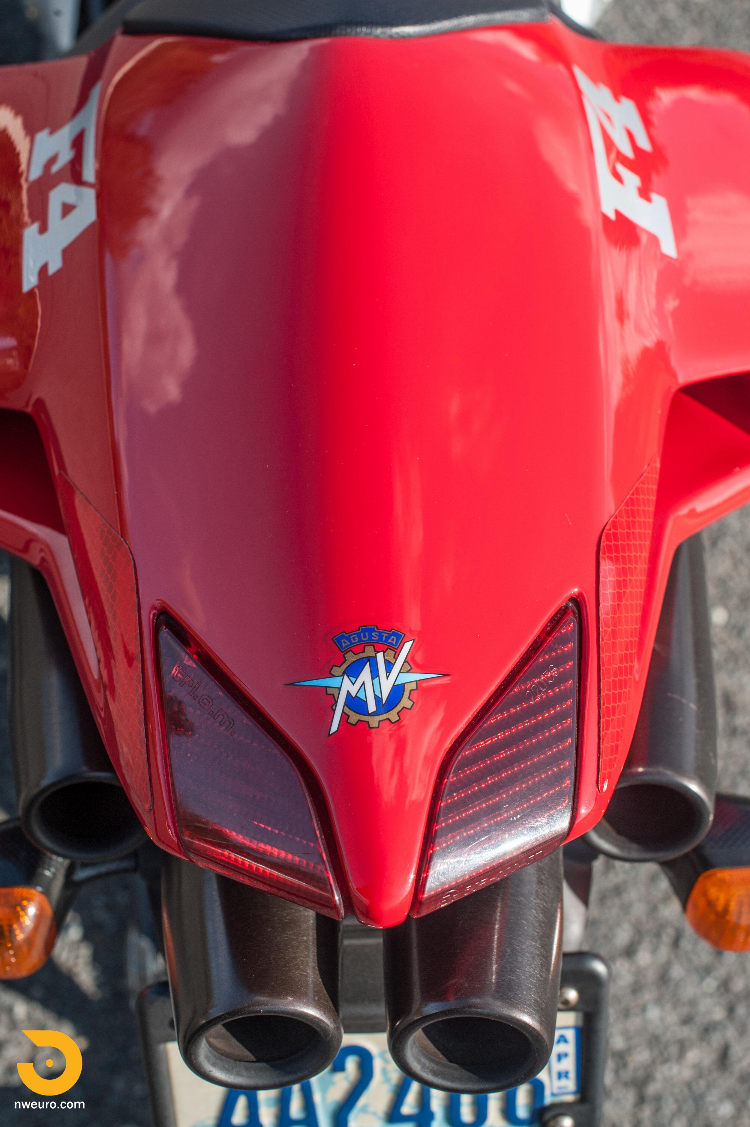 2001 MV Agusta F4 750S-19.jpg