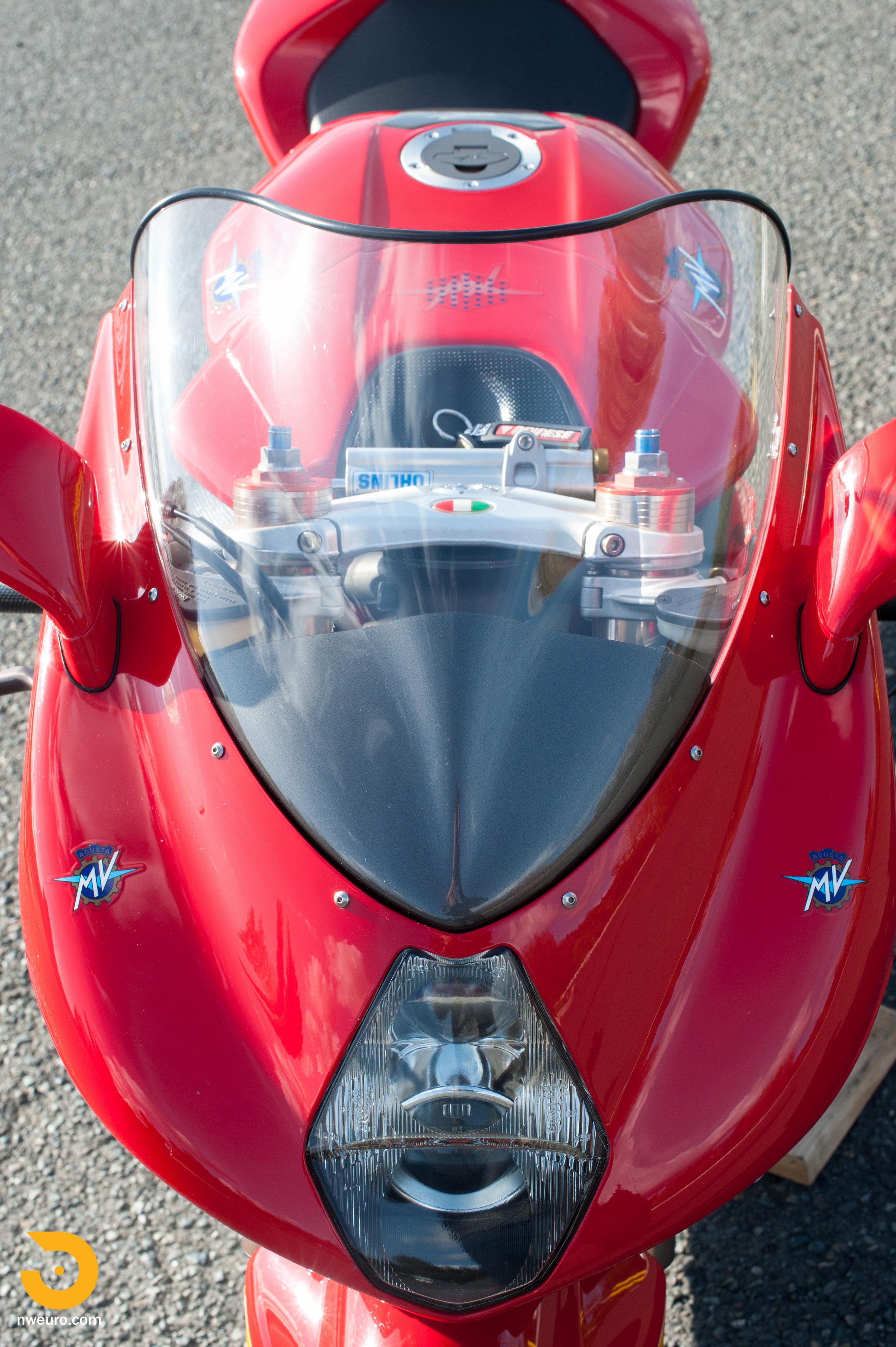 2001 MV Agusta F4 750S-26.jpg