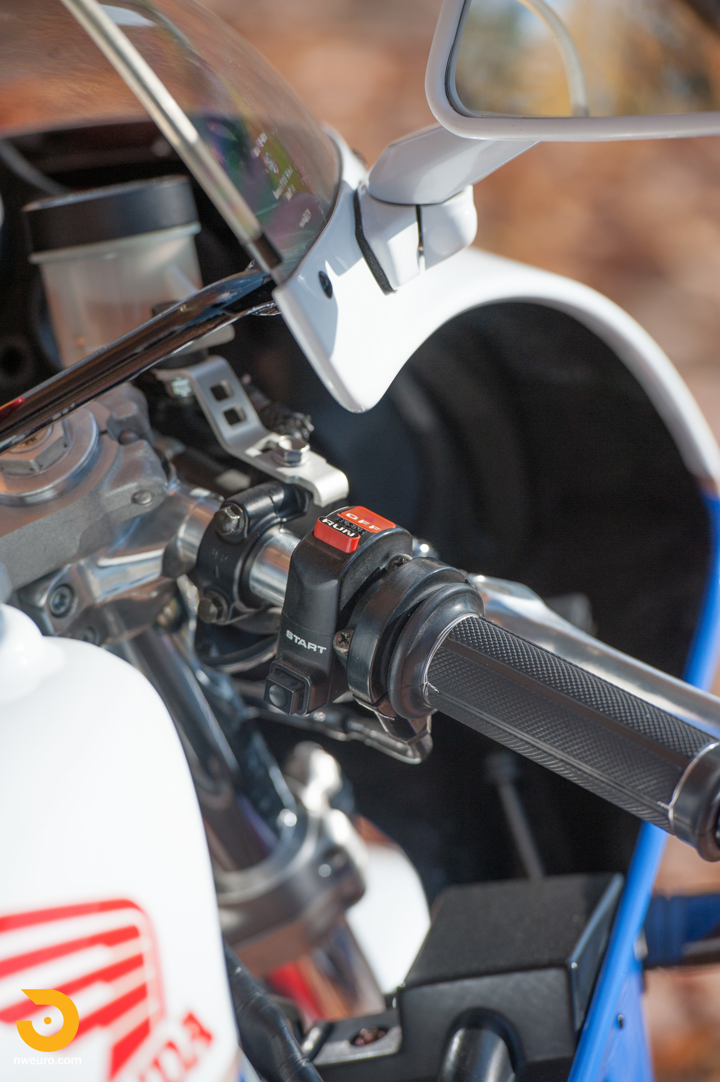 1990 Honda RC30-8.jpg