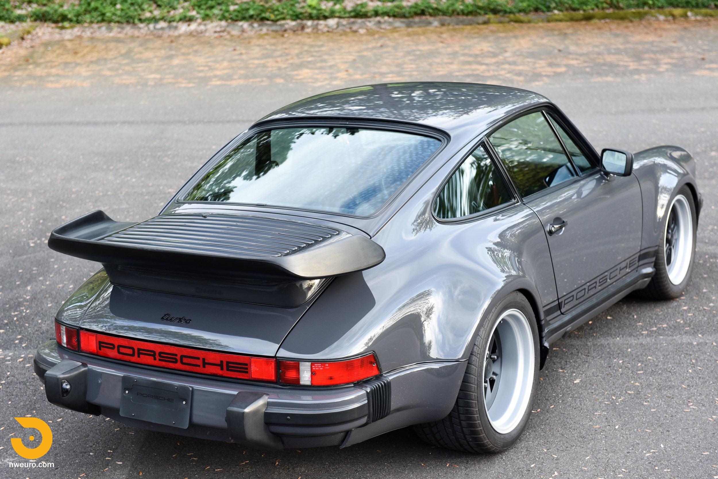 1985 Porsche 930-41.jpg
