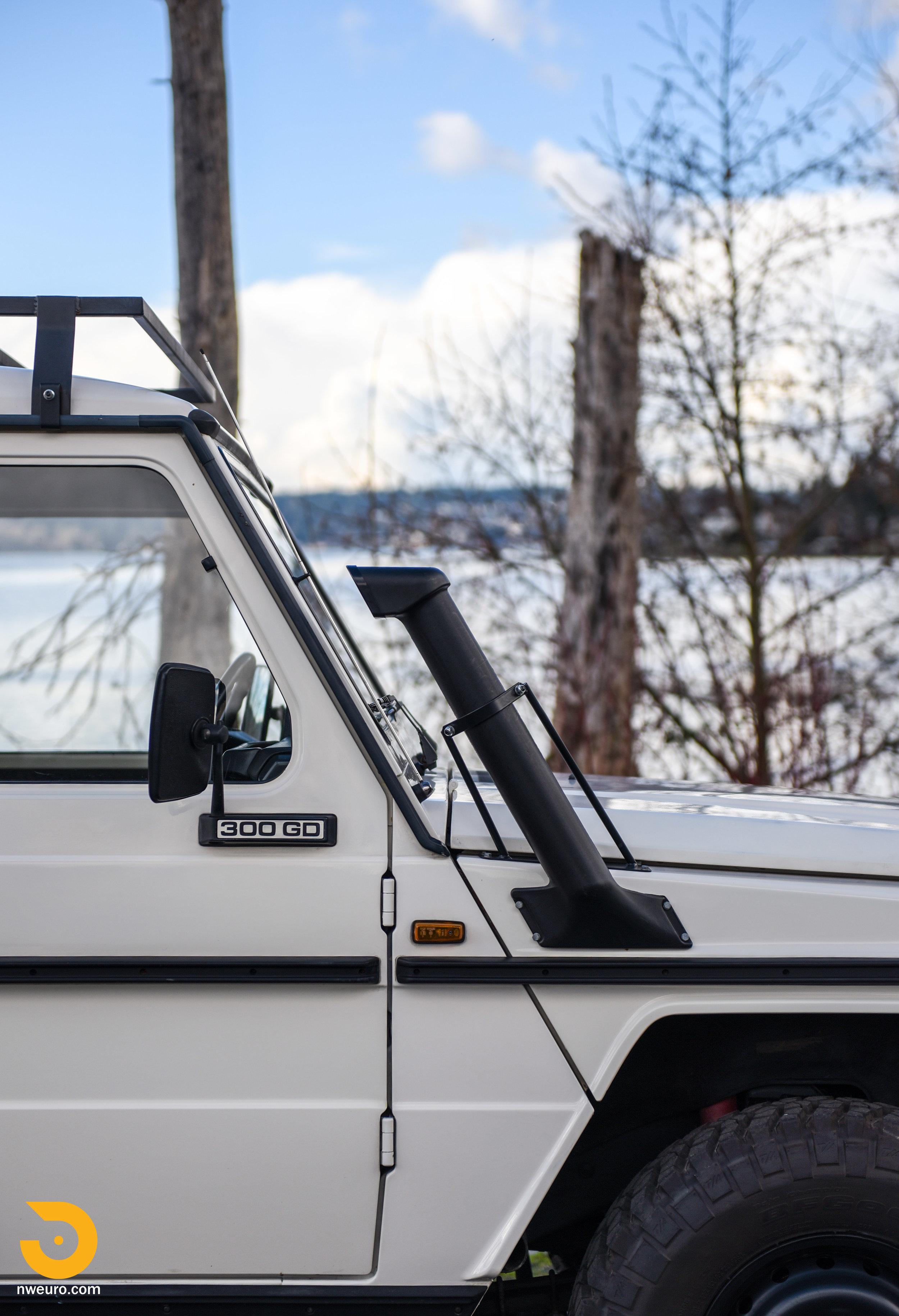 1981 Mercedes-Benz 300GD-10.jpg