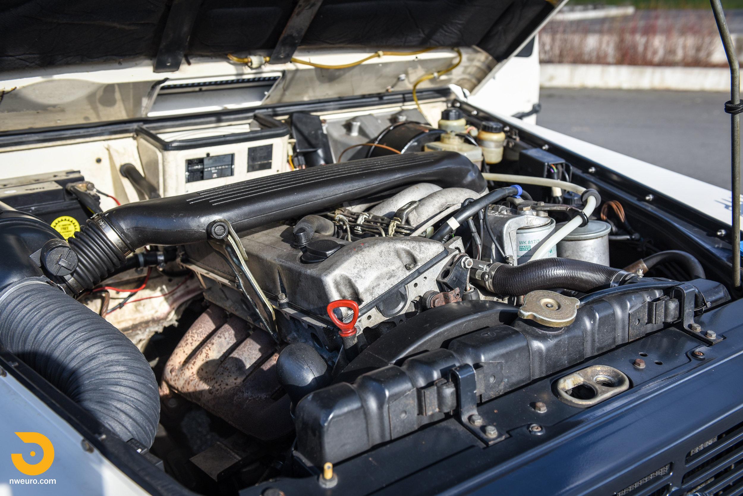 1981 Mercedes-Benz 300GD-40.jpg