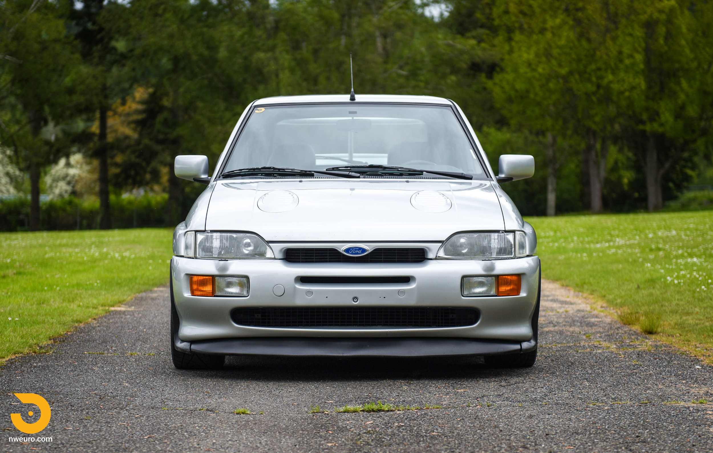 1995 Ford Escort Cosworth RS Silver-10.jpg