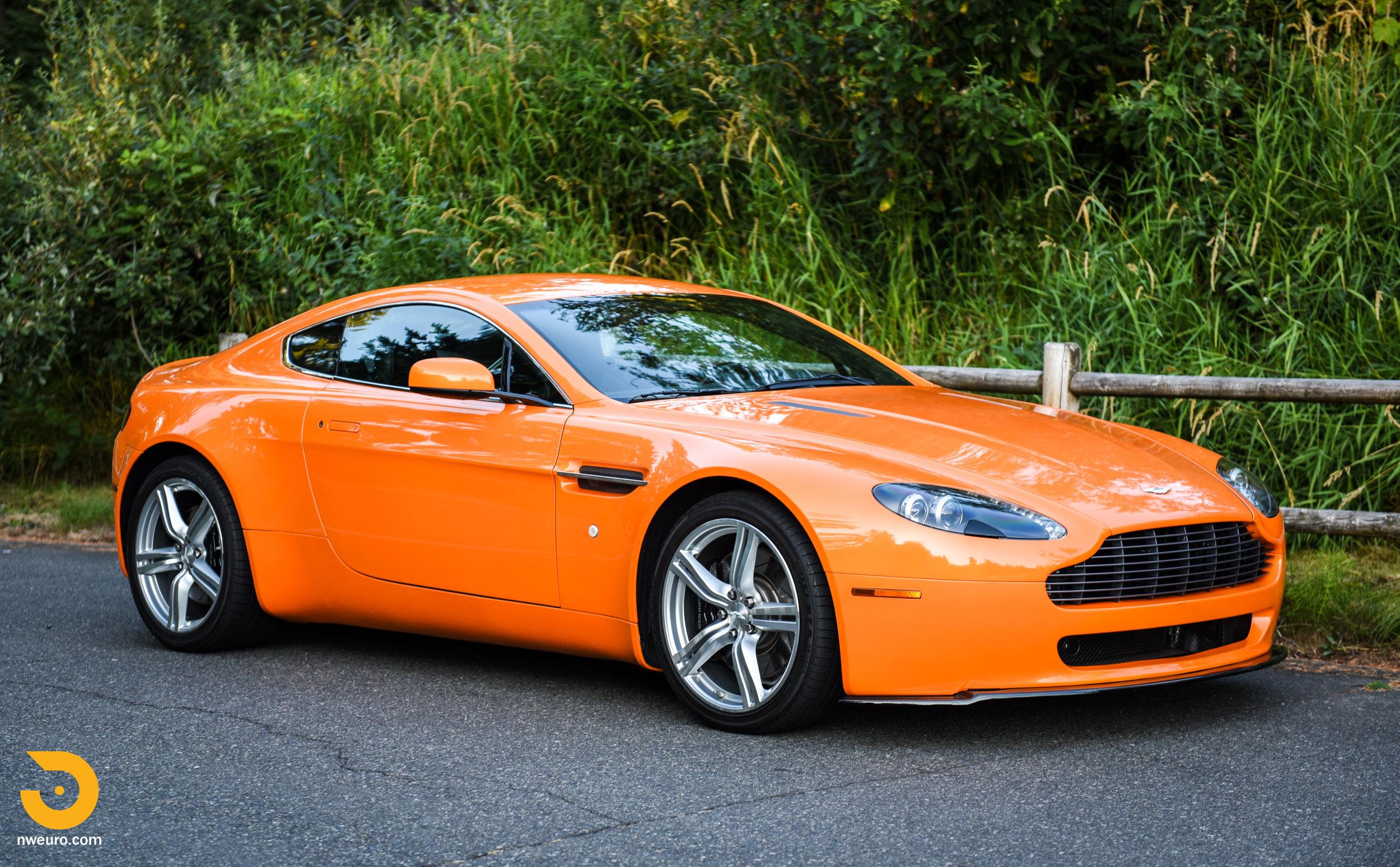 2009 Aston Martin V8 Vantage-5.jpg