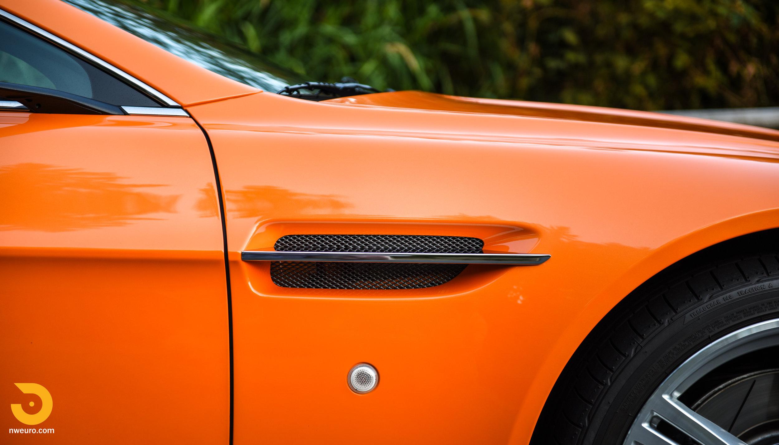 2009 Aston Martin V8 Vantage-10.jpg
