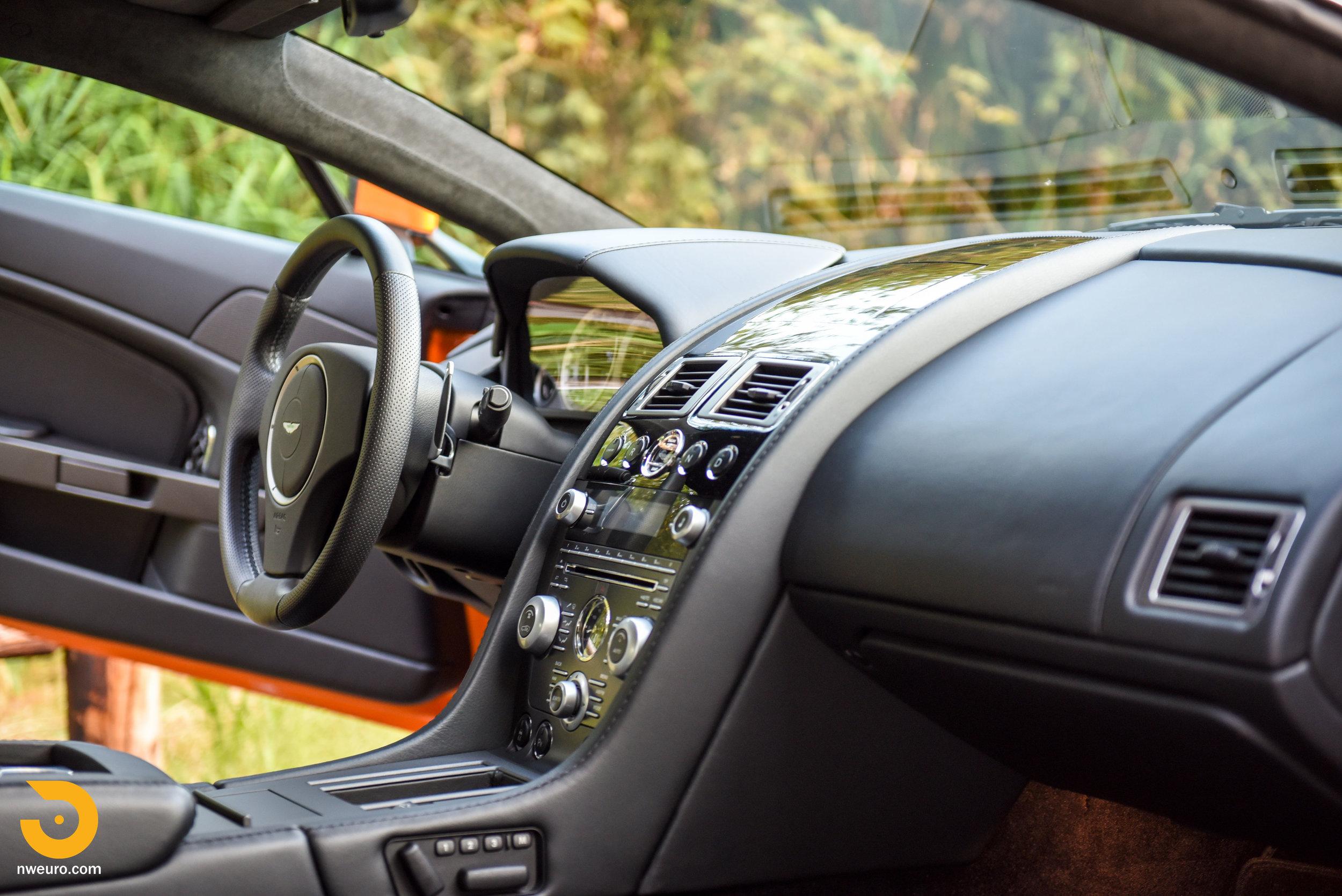 2009 Aston Martin V8 Vantage-22.jpg