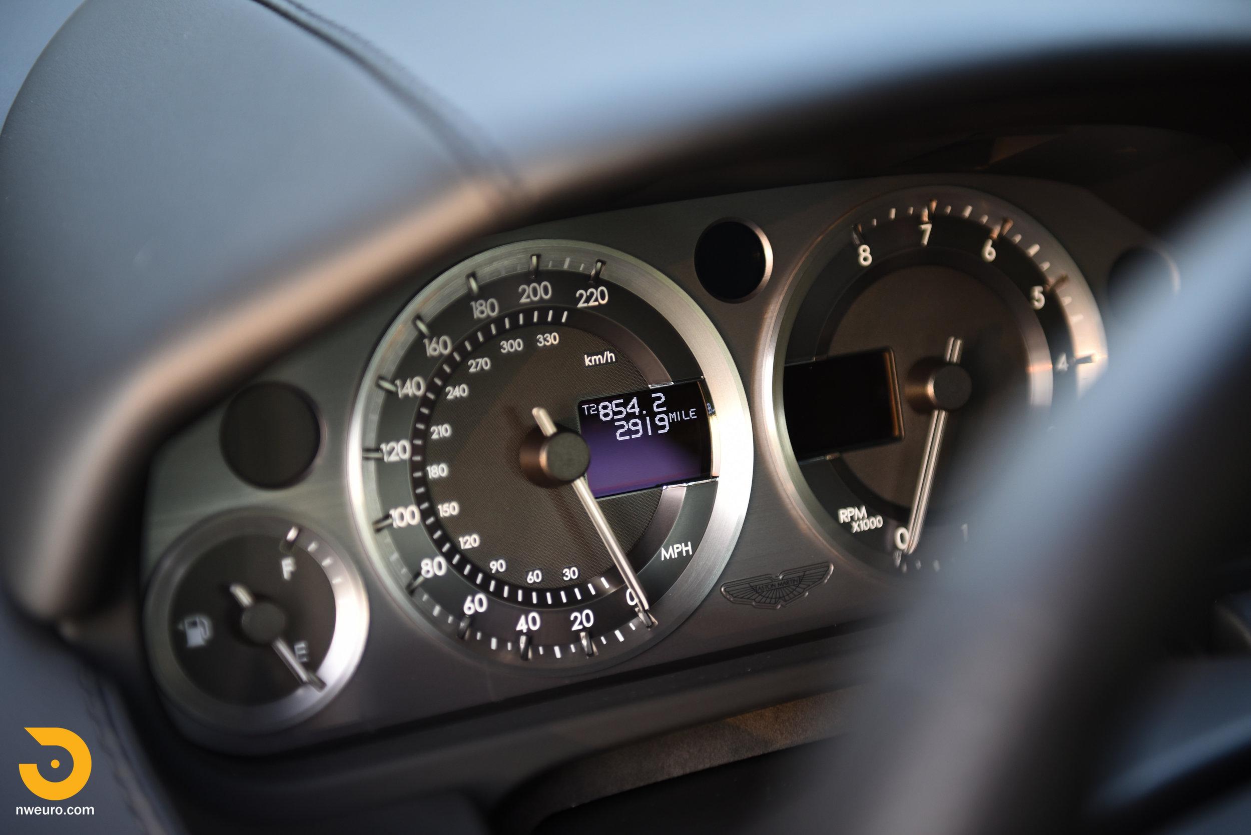 2009 Aston Martin V8 Vantage-35.jpg