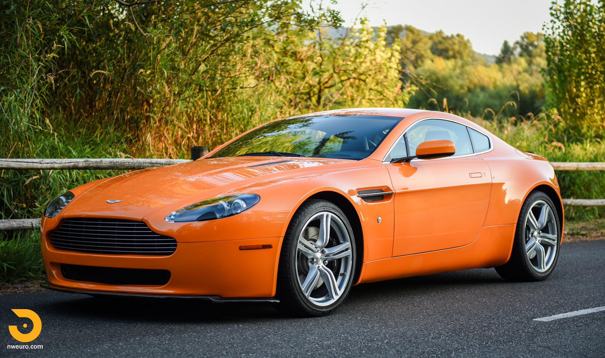 2009 Aston Martin V8 Vantage-40.jpg