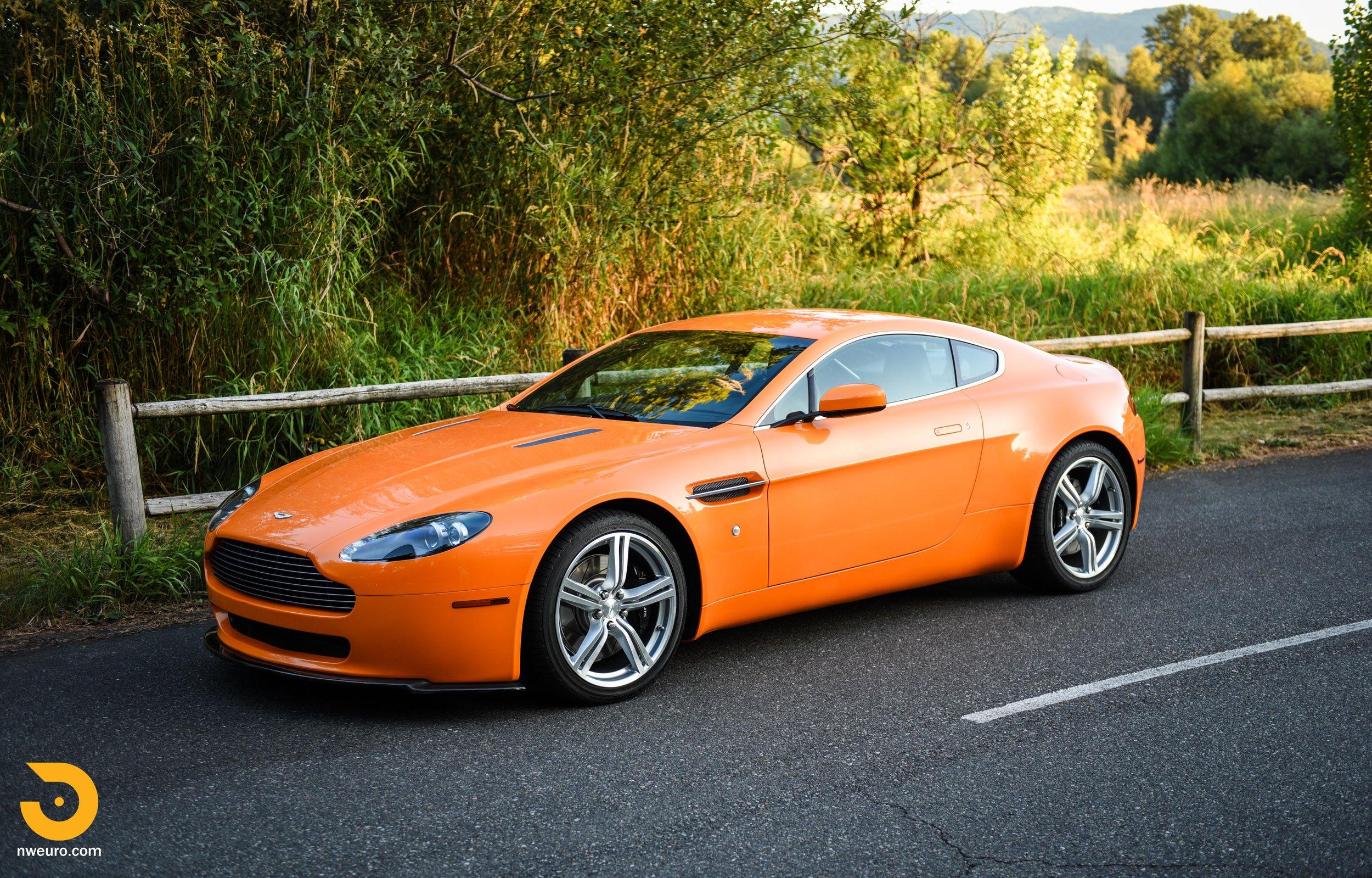 2009 Aston Martin V8 Vantage-41.jpg