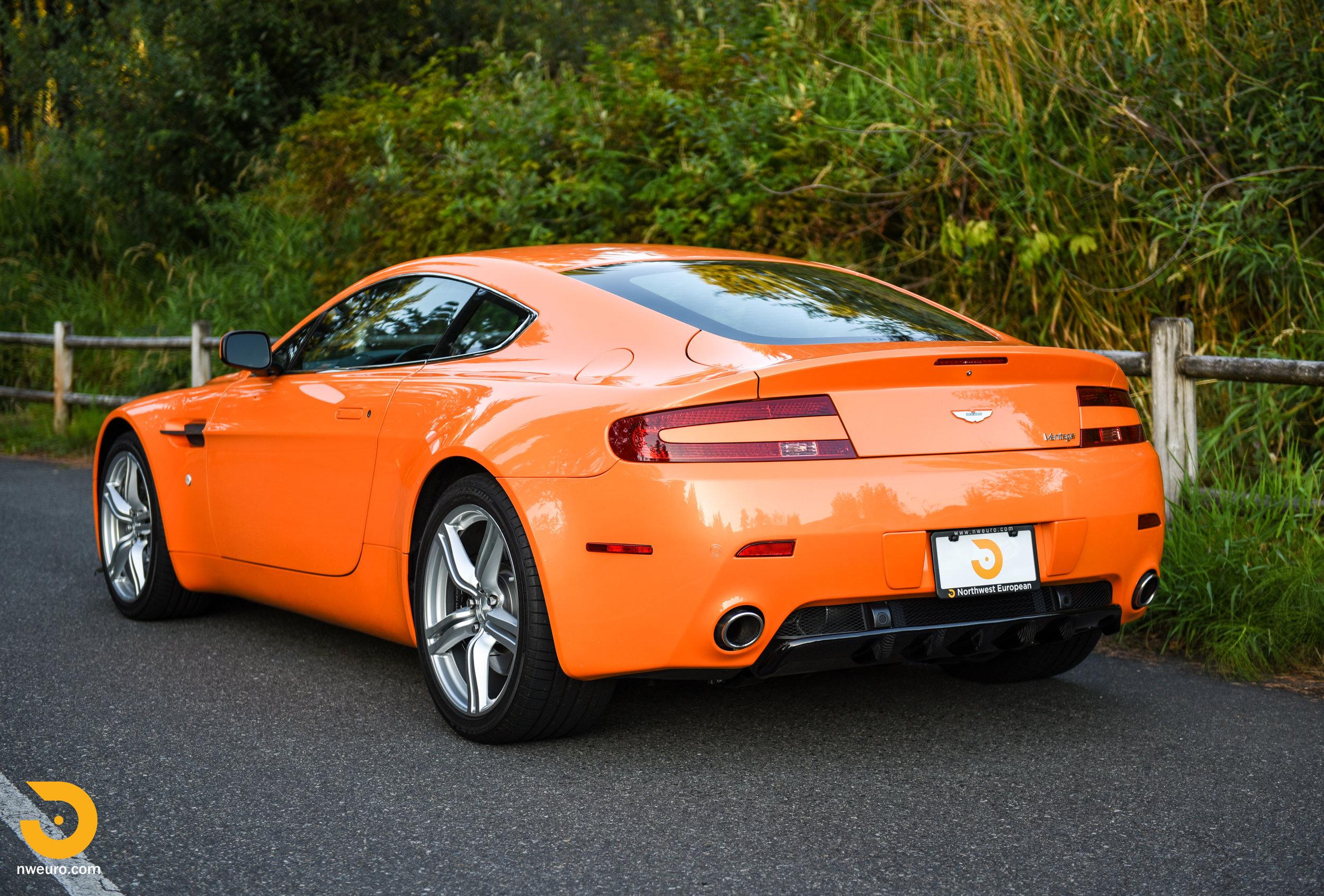 2009 Aston Martin V8 Vantage-44.jpg