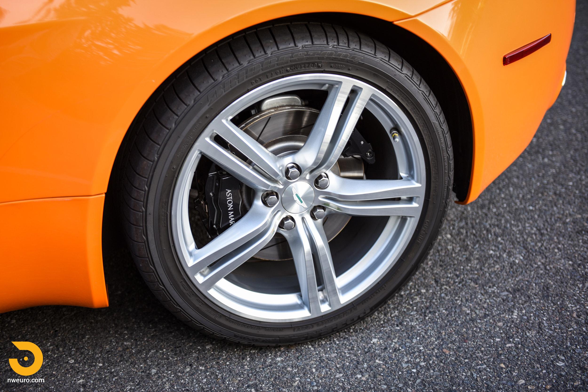 2009 Aston Martin V8 Vantage-46.jpg