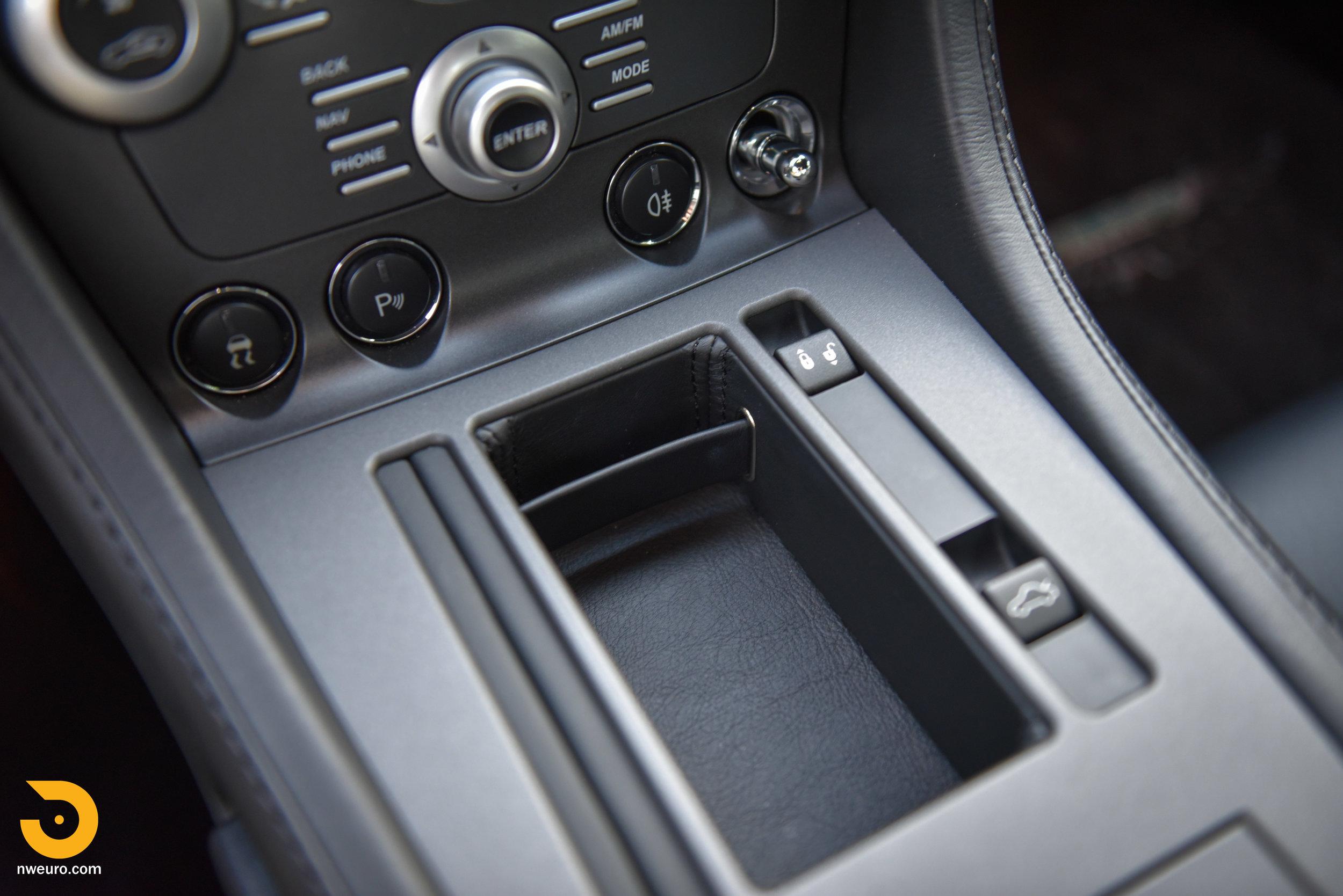 2009 Aston Martin V8 Vantage-47.jpg