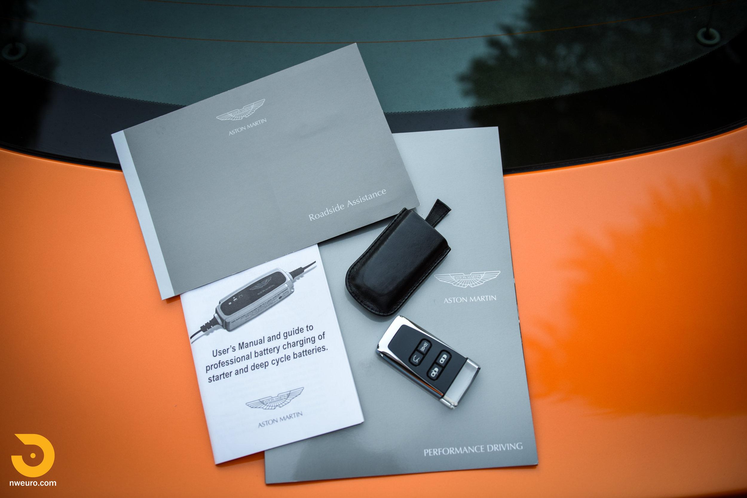 2009 Aston Martin V8 Vantage-54.jpg