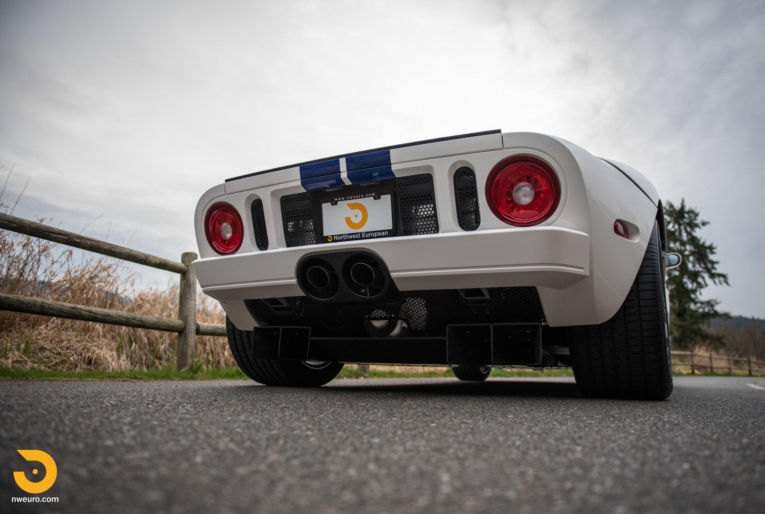 2005 Ford GT-15.jpg
