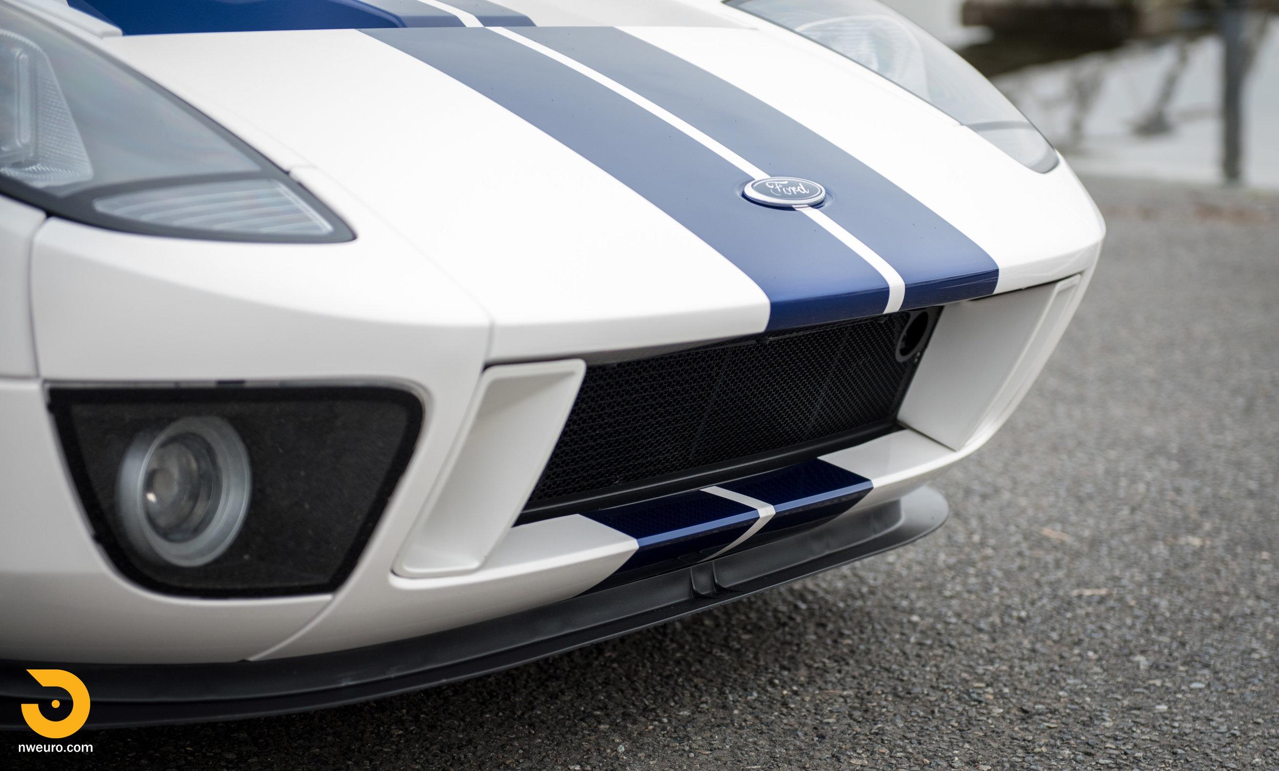 2005 Ford GT-26.jpg