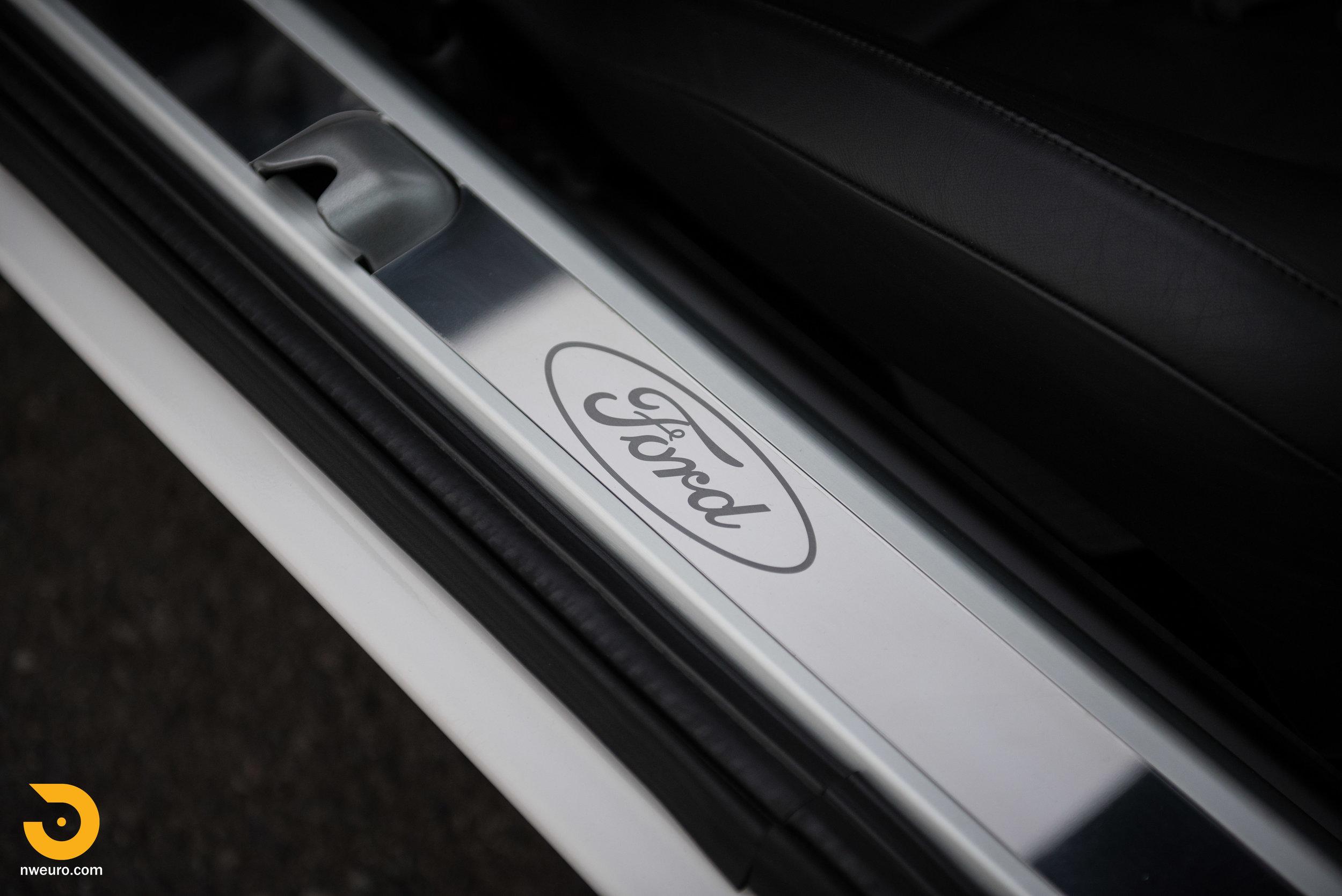 2005 Ford GT-41.jpg