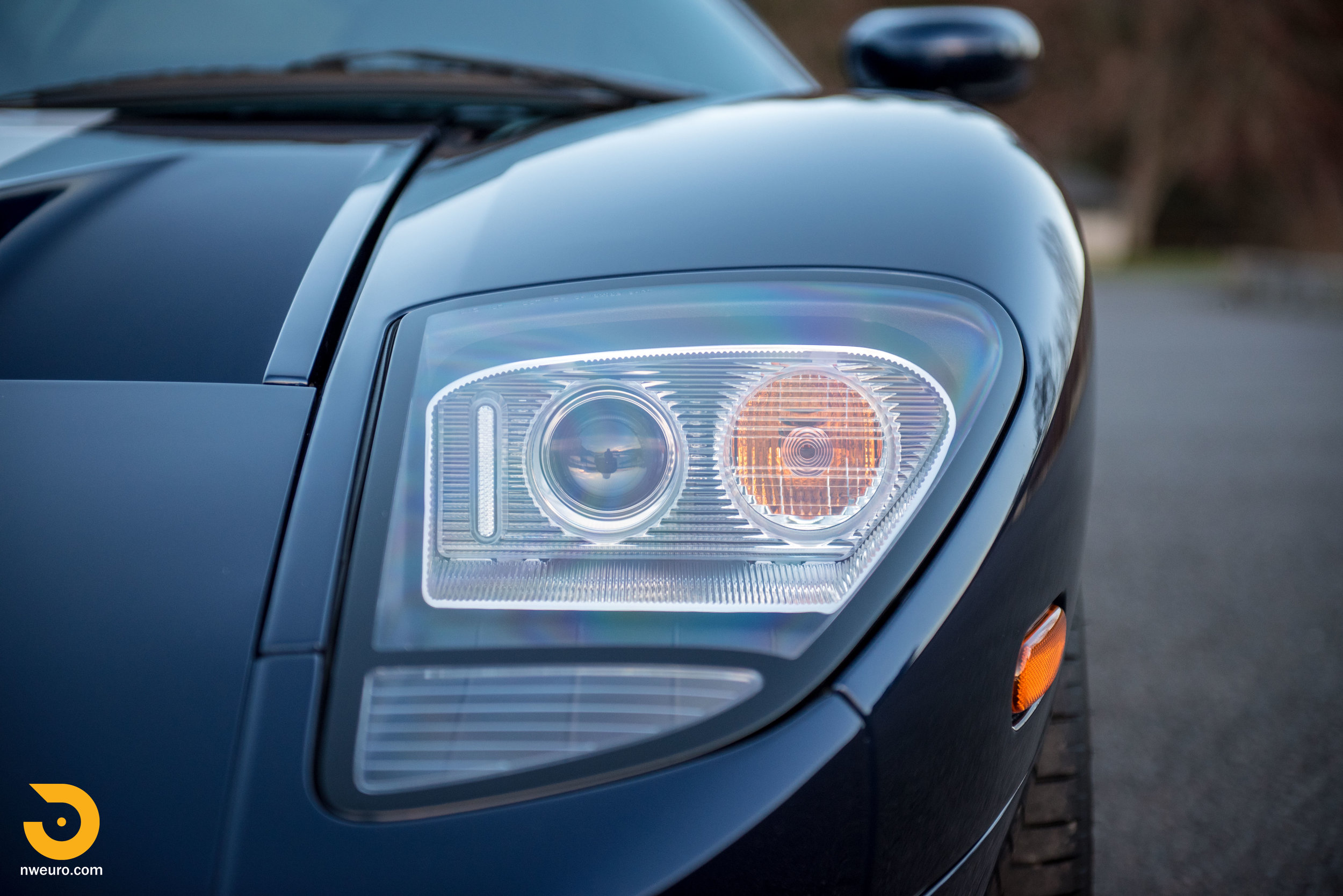 2006 Ford GT-40.jpg