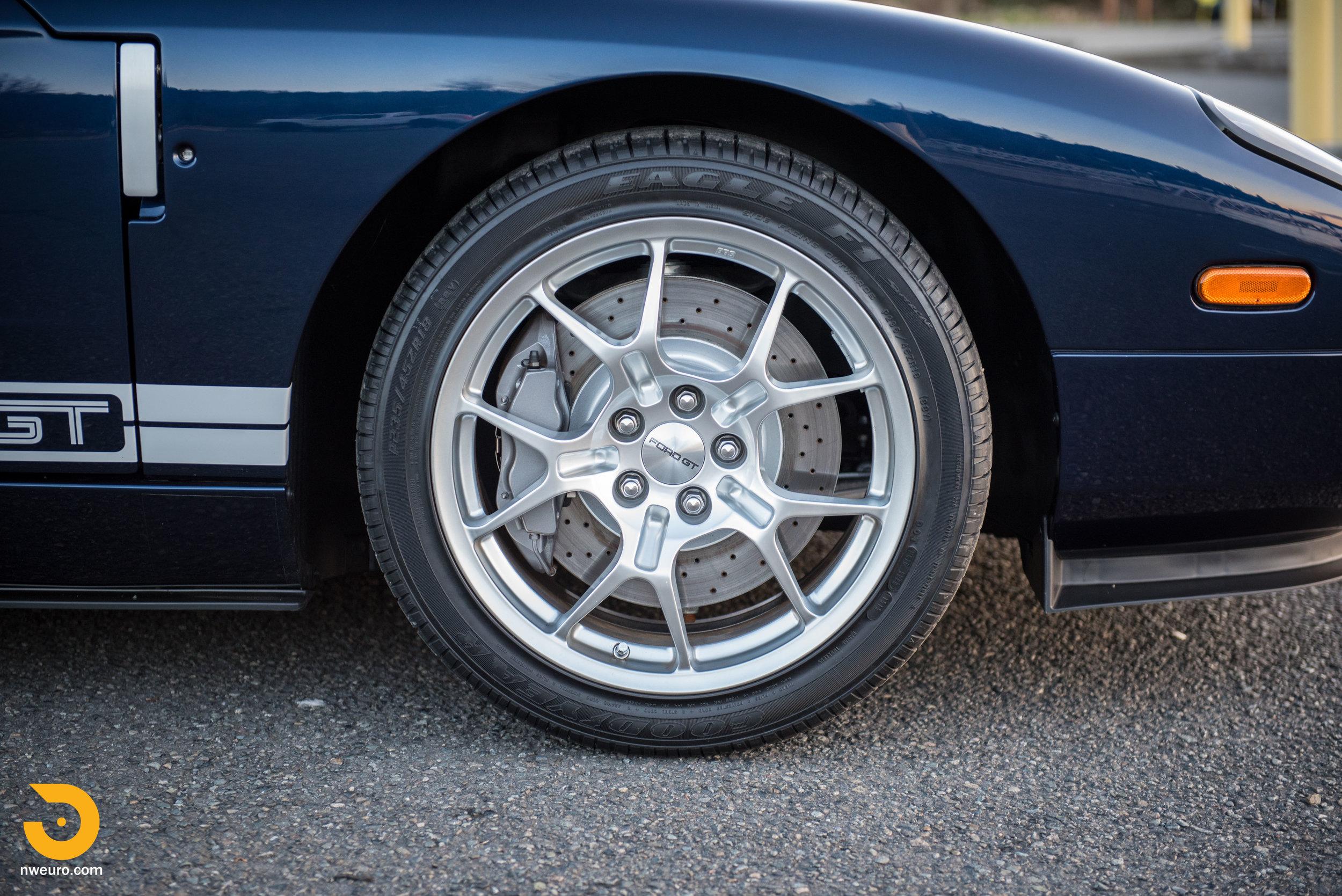 2006 Ford GT-43.jpg