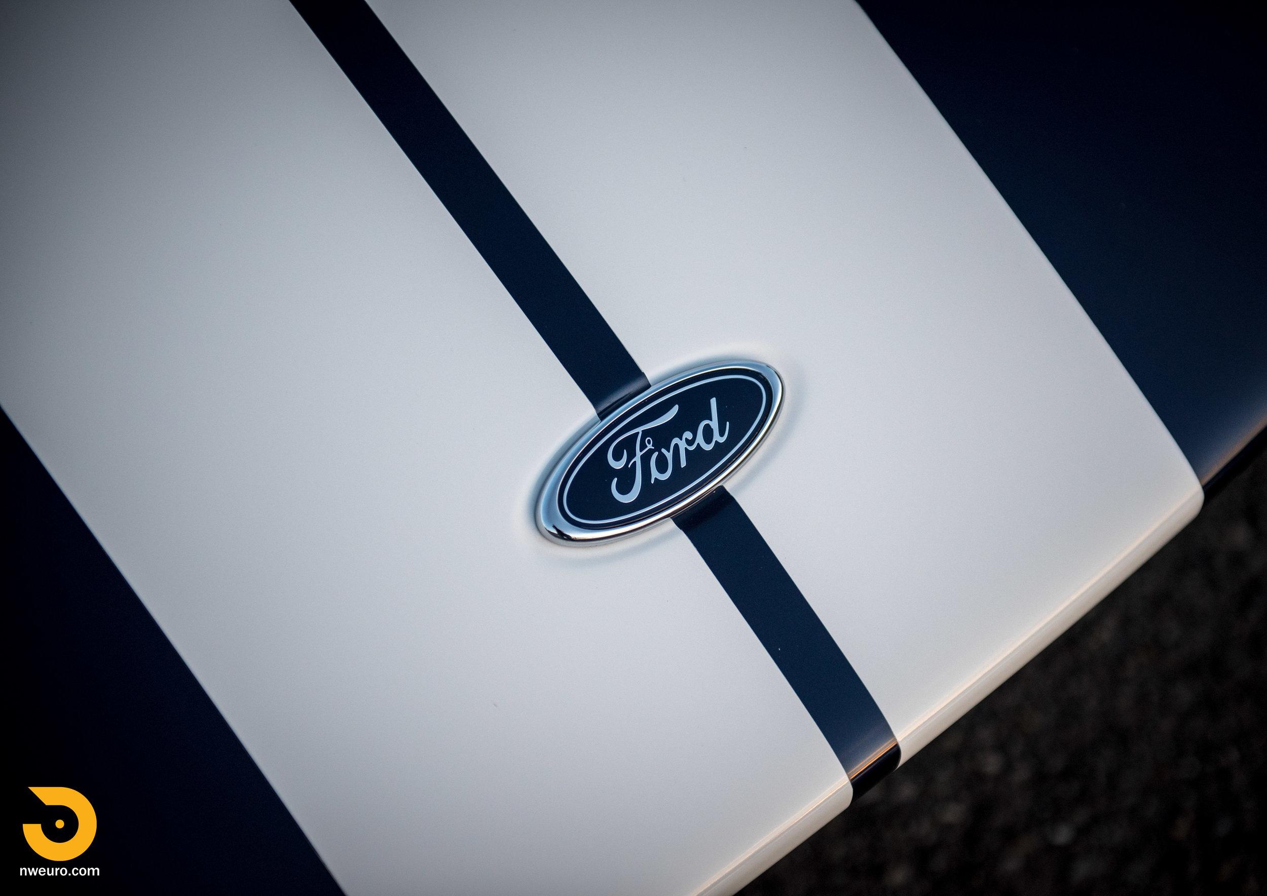 2006 Ford GT-46.jpg
