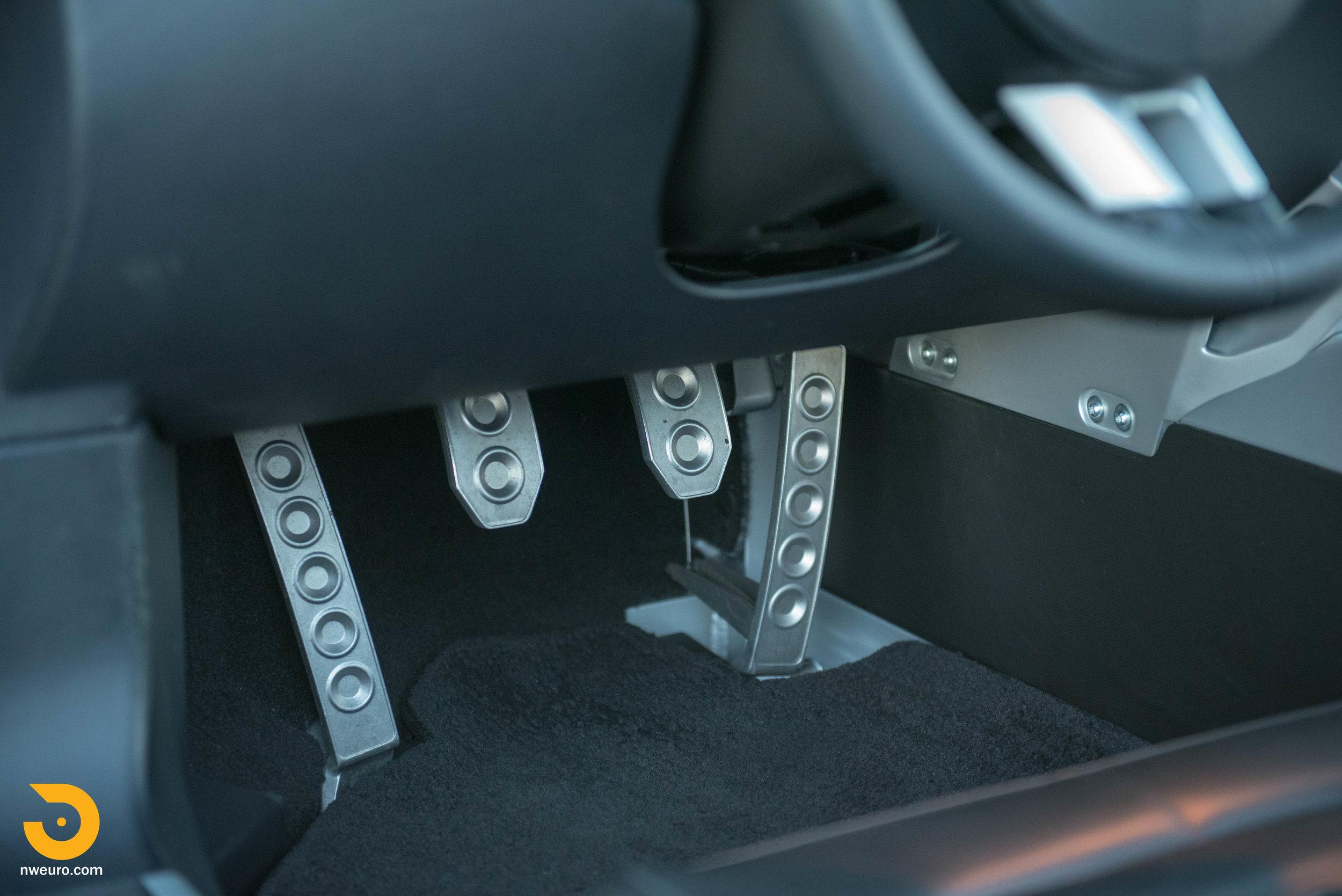 2006 Ford GT-53.jpg