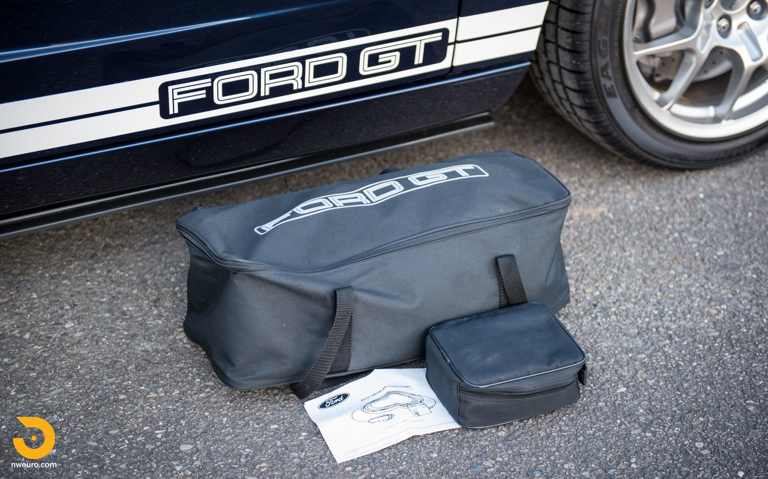 2006 Ford GT-77.jpg