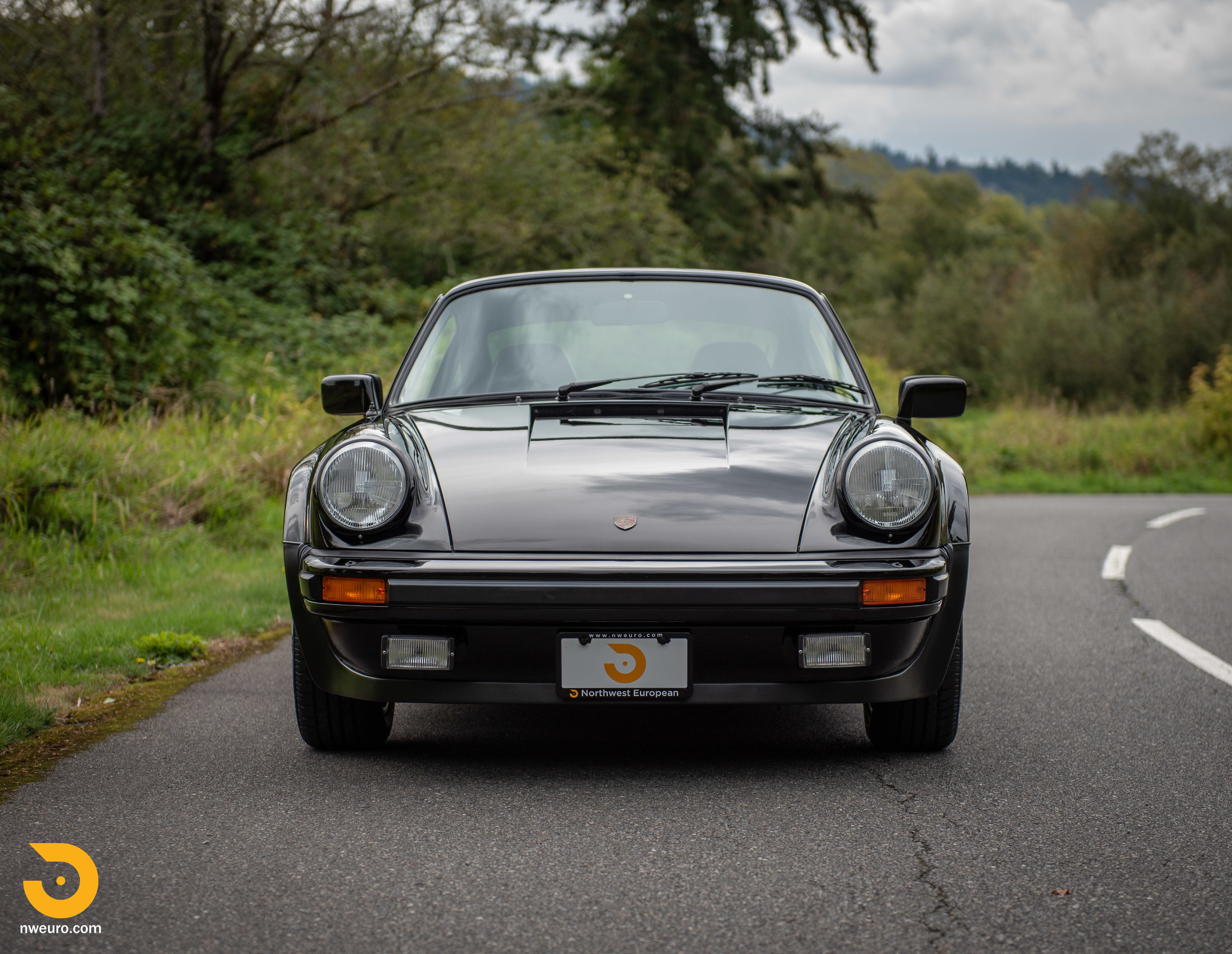 1983 Porsche 930-18.jpg