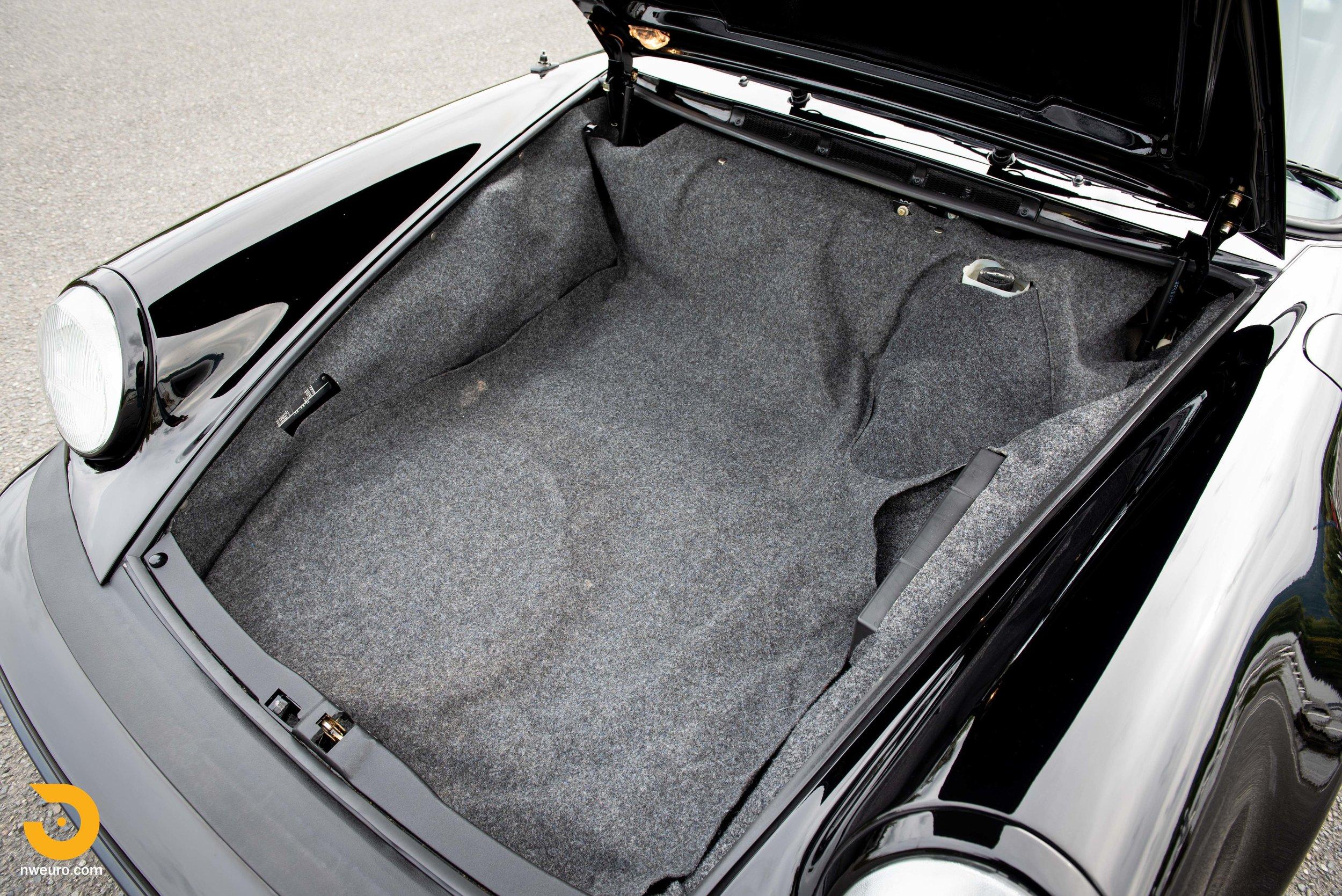 1983 Porsche 930-49.jpg