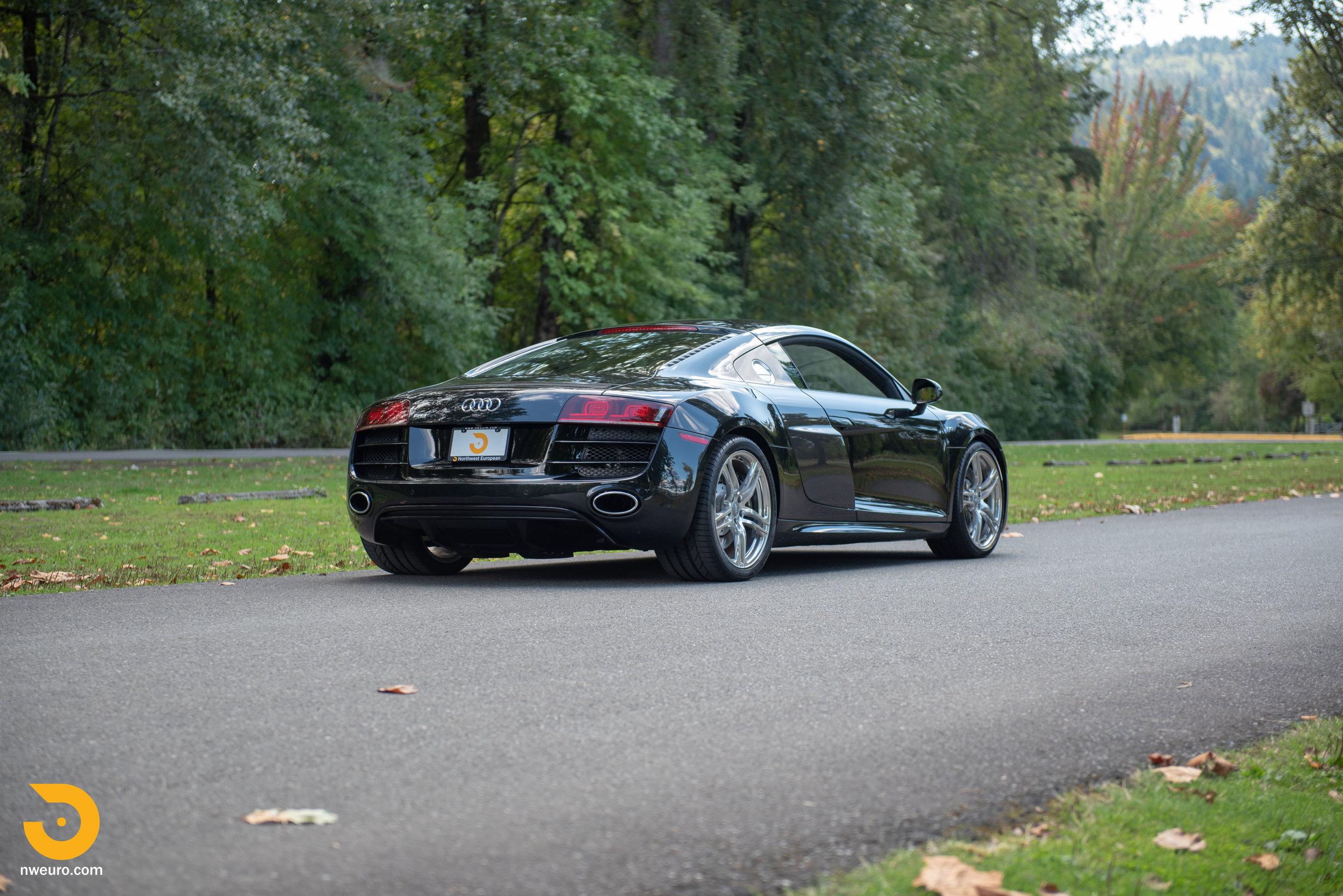 2010 Audi R8 V10-5.jpg
