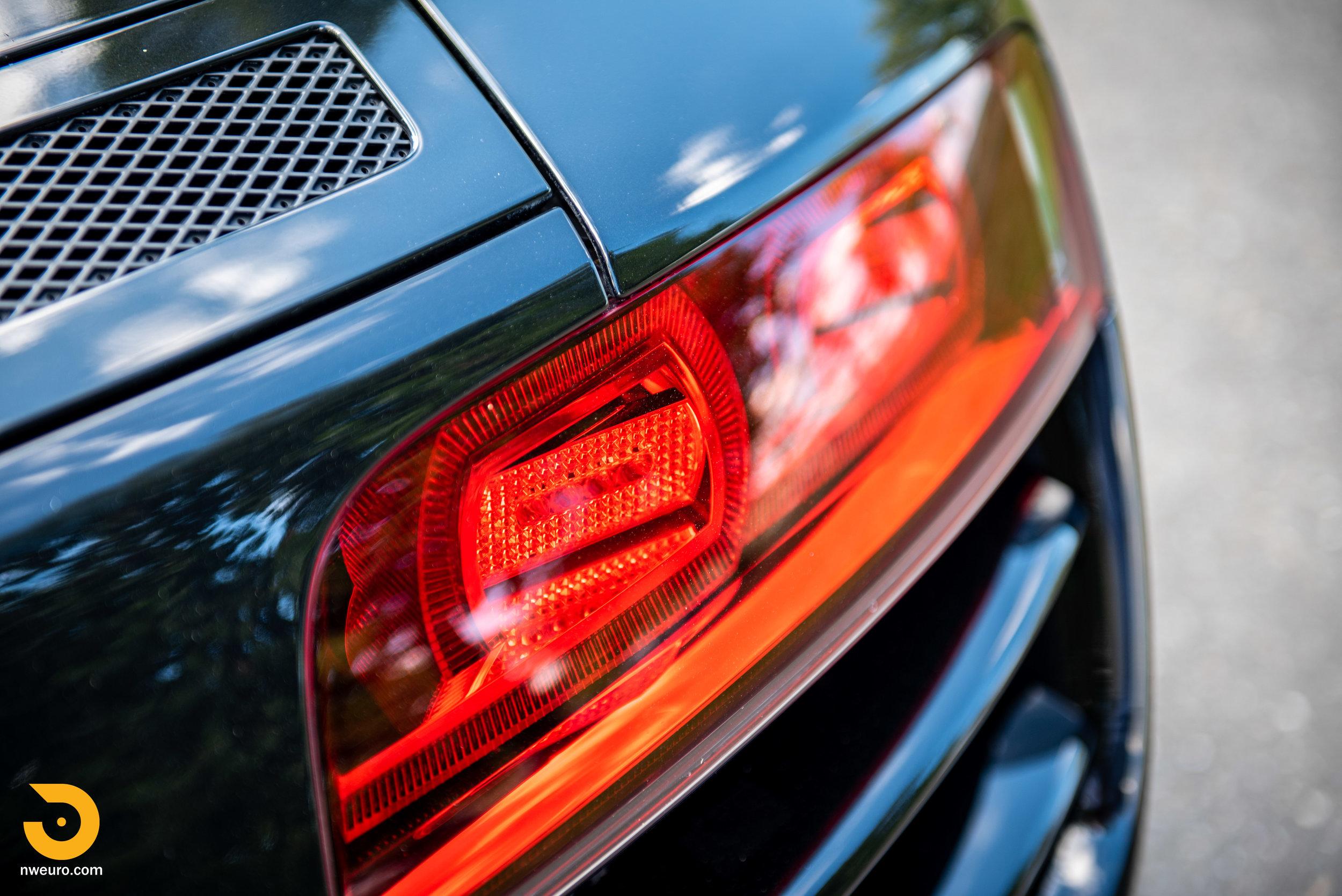 2010 Audi R8 V10-10.jpg