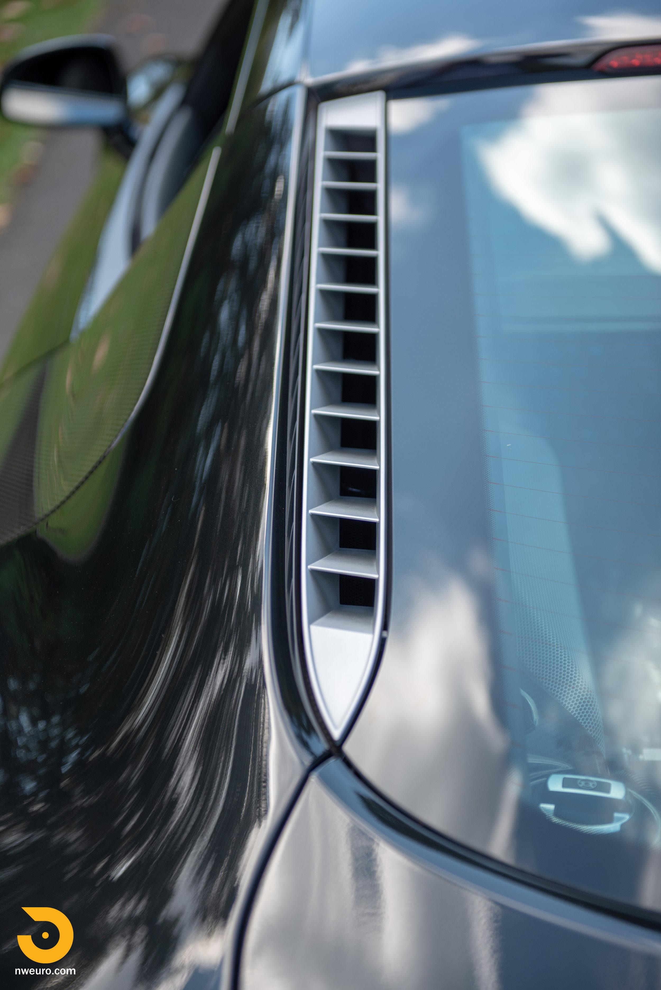 2010 Audi R8 V10-11.jpg