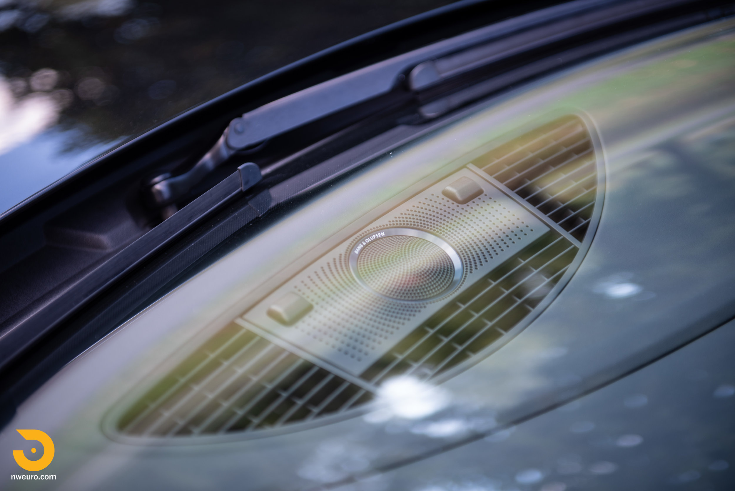 2010 Audi R8 V10-22.jpg
