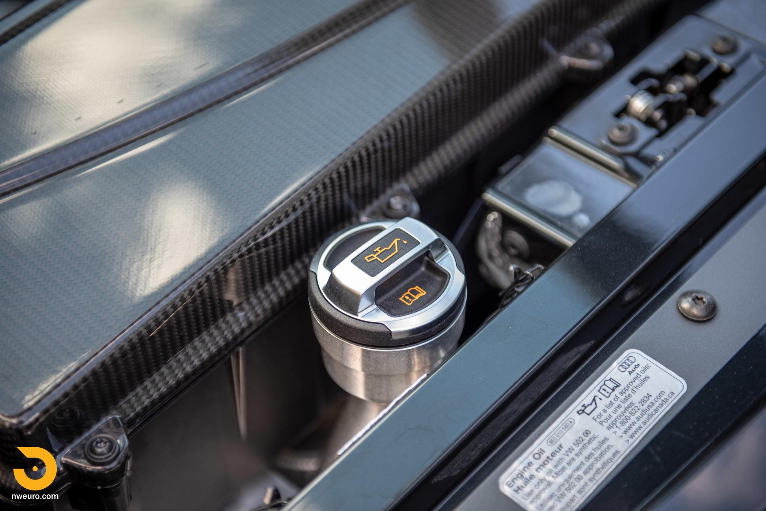 2010 Audi R8 V10-28.jpg