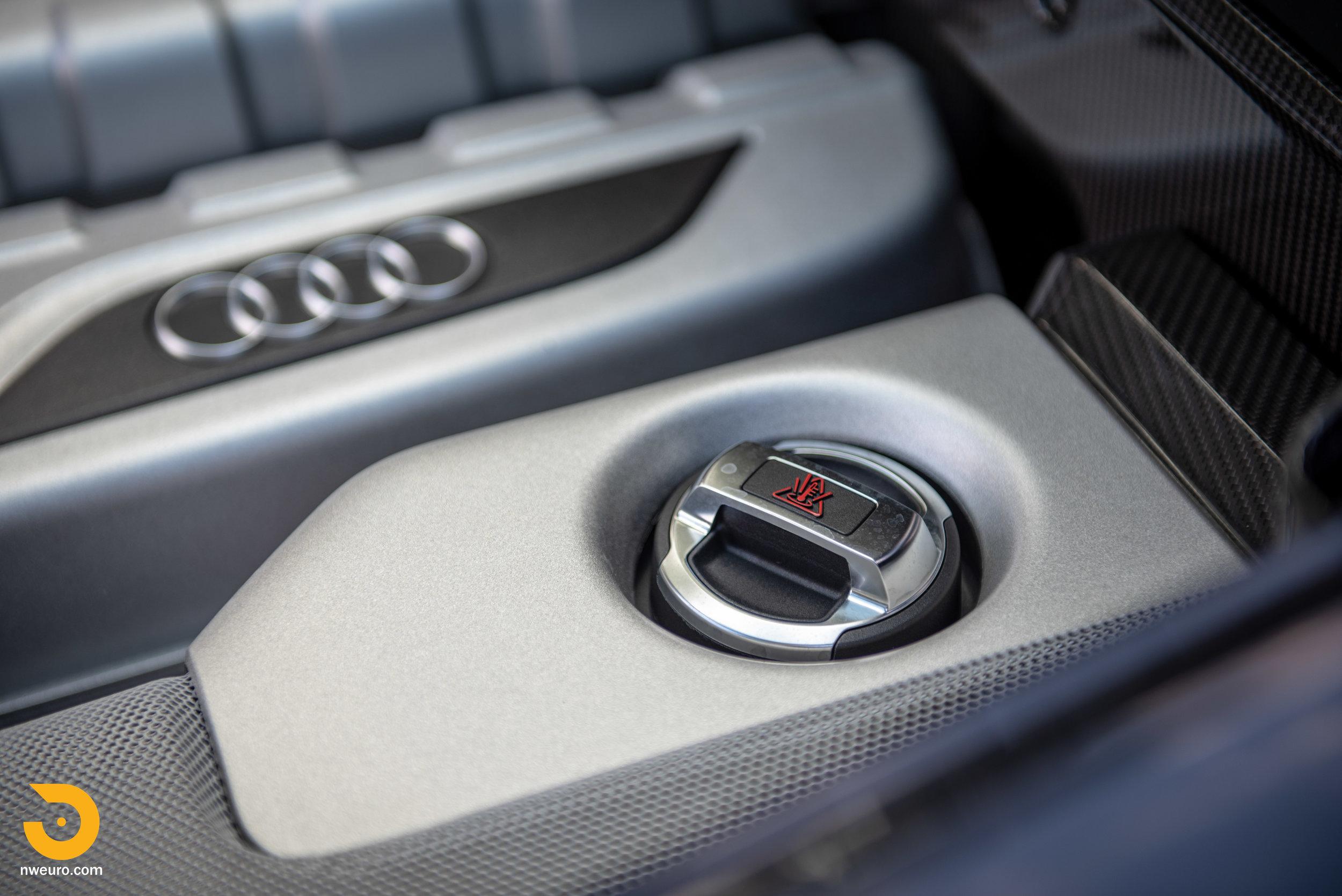 2010 Audi R8 V10-29.jpg