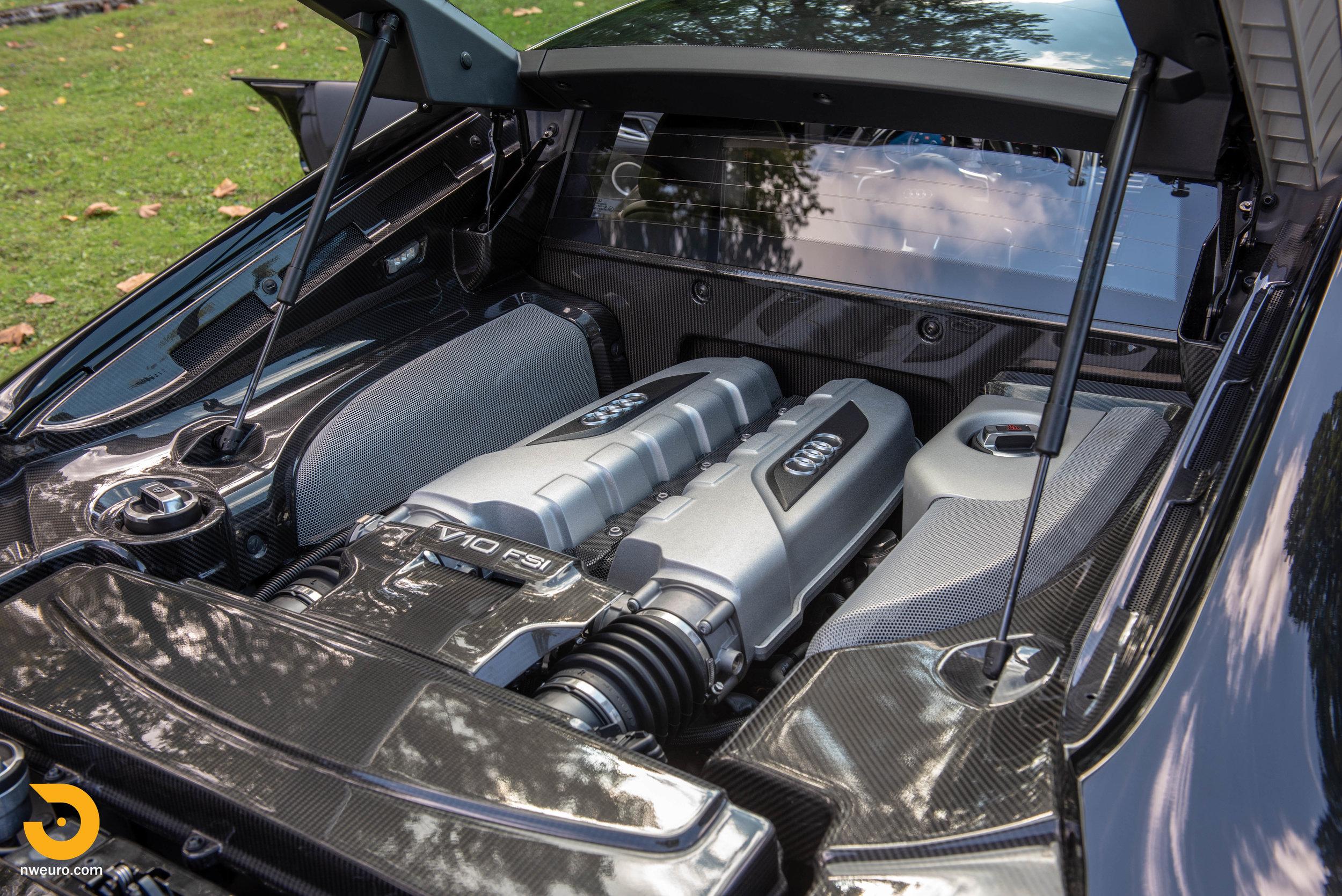 2010 Audi R8 V10-31.jpg