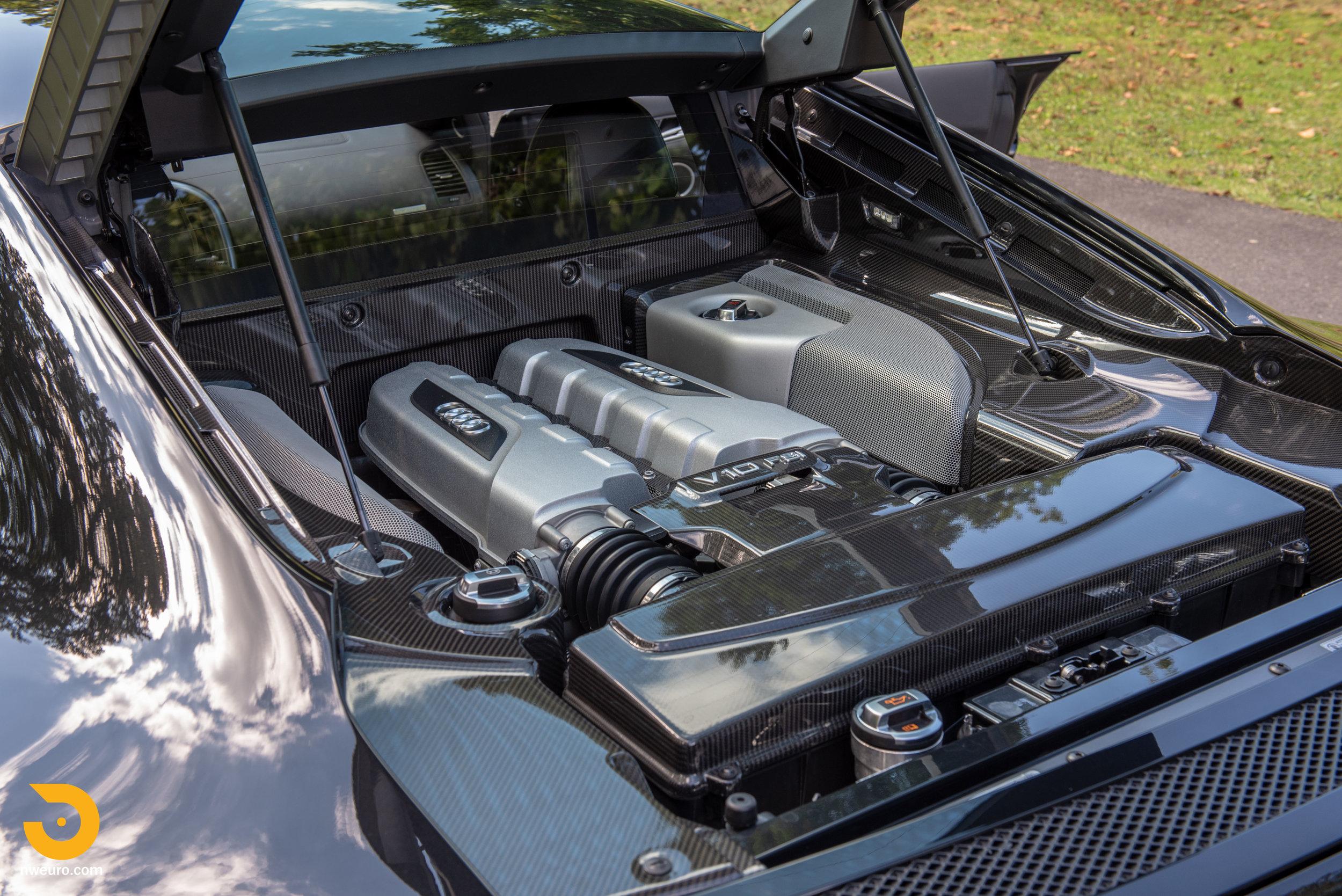 2010 Audi R8 V10-32.jpg