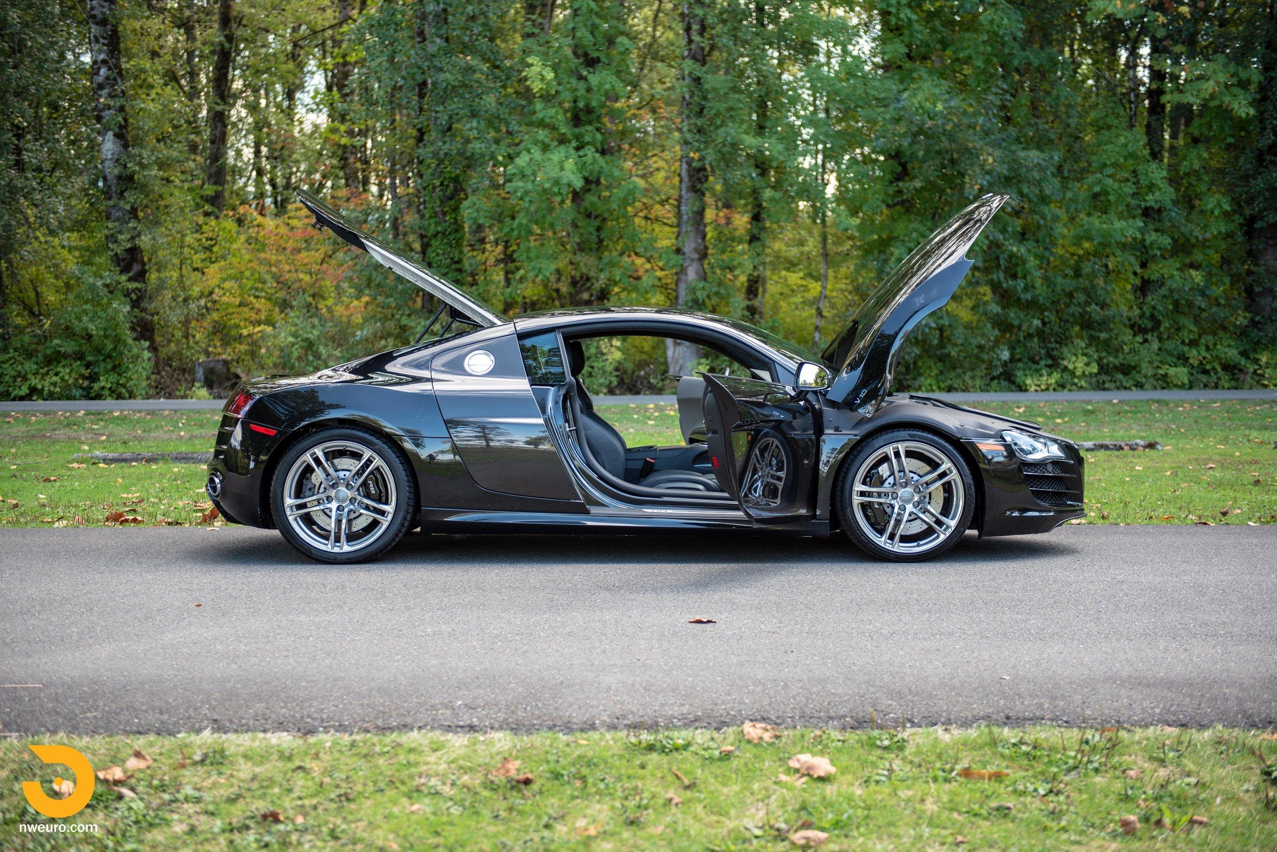 2010 Audi R8 V10-37.jpg