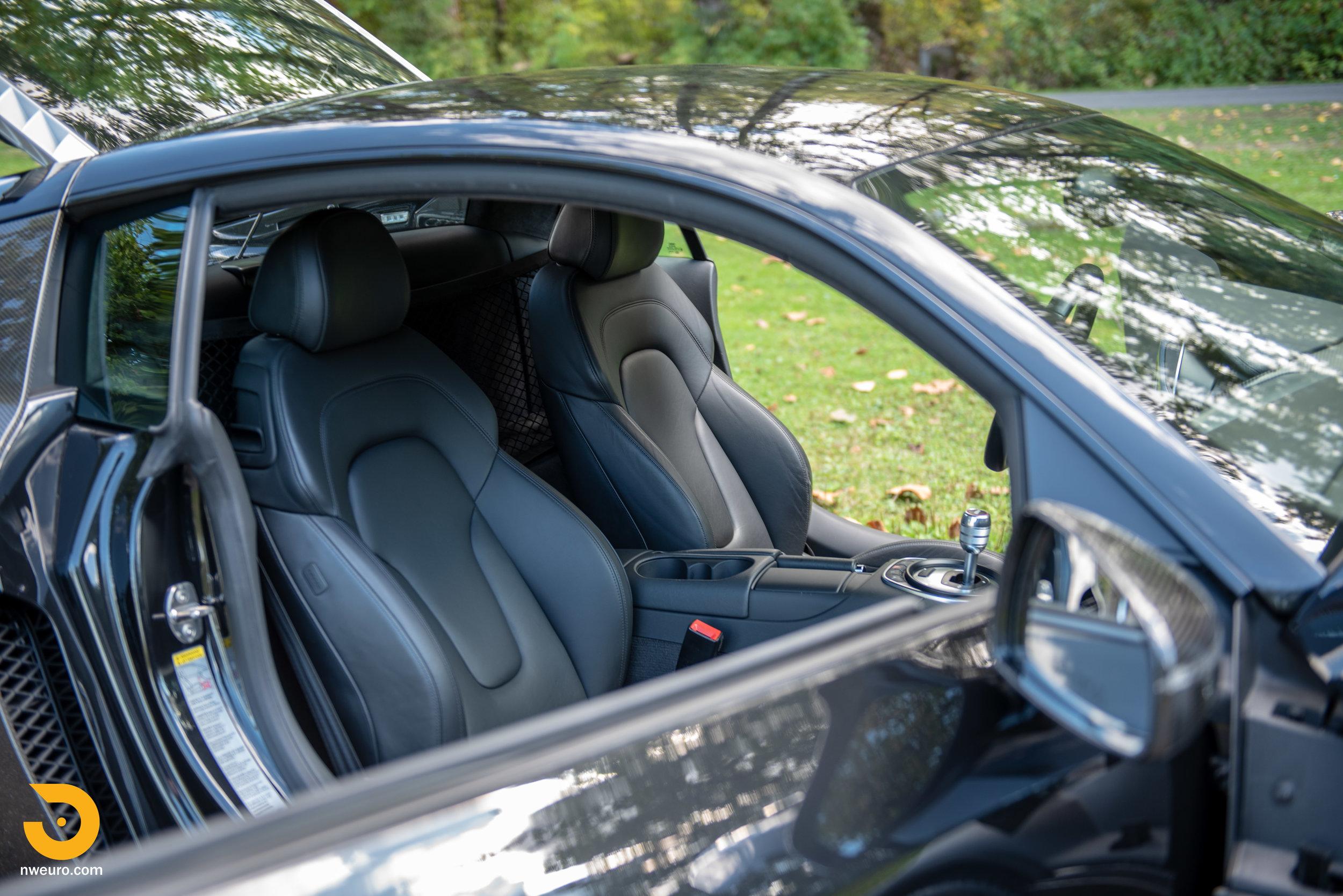 2010 Audi R8 V10-39.jpg