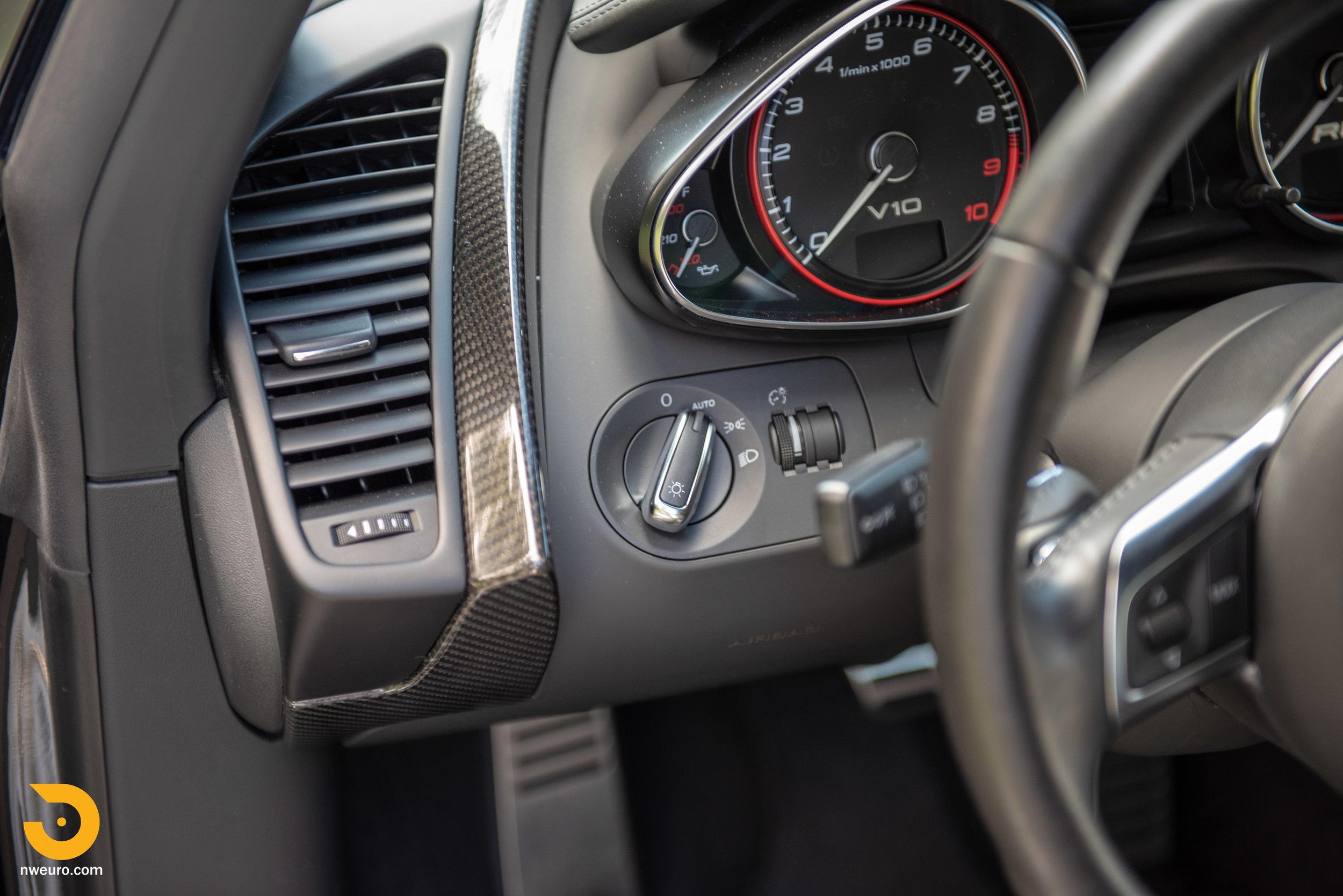 2010 Audi R8 V10-41.jpg