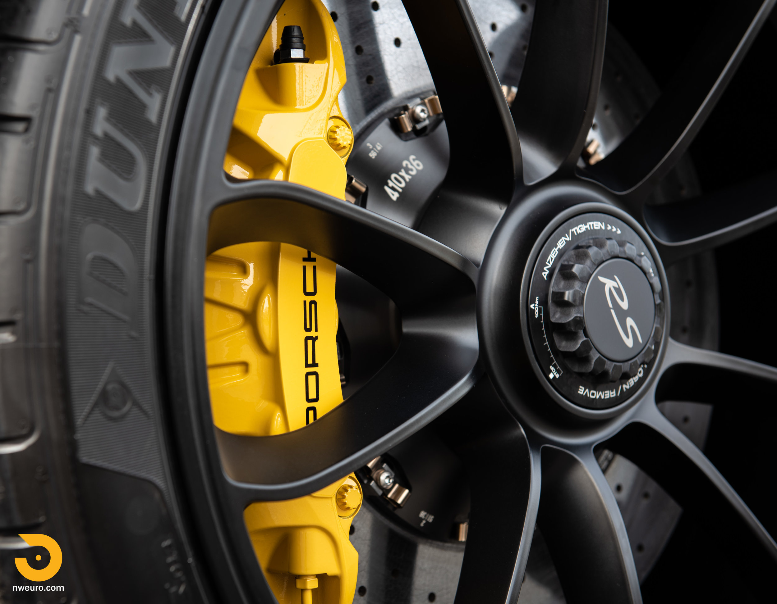 2016 Porsche GT3 RS-7.jpg