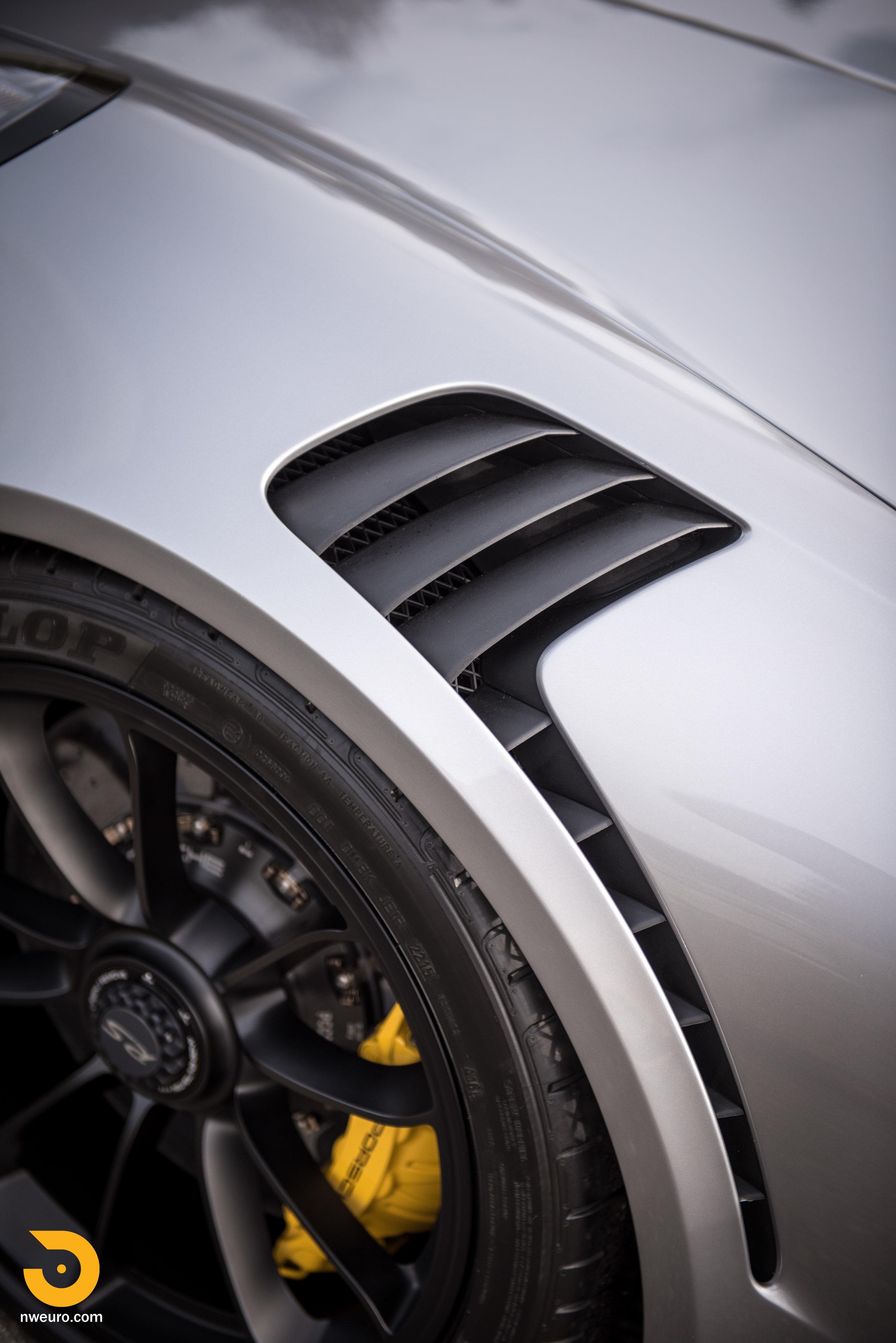 2016 Porsche GT3 RS-10.jpg