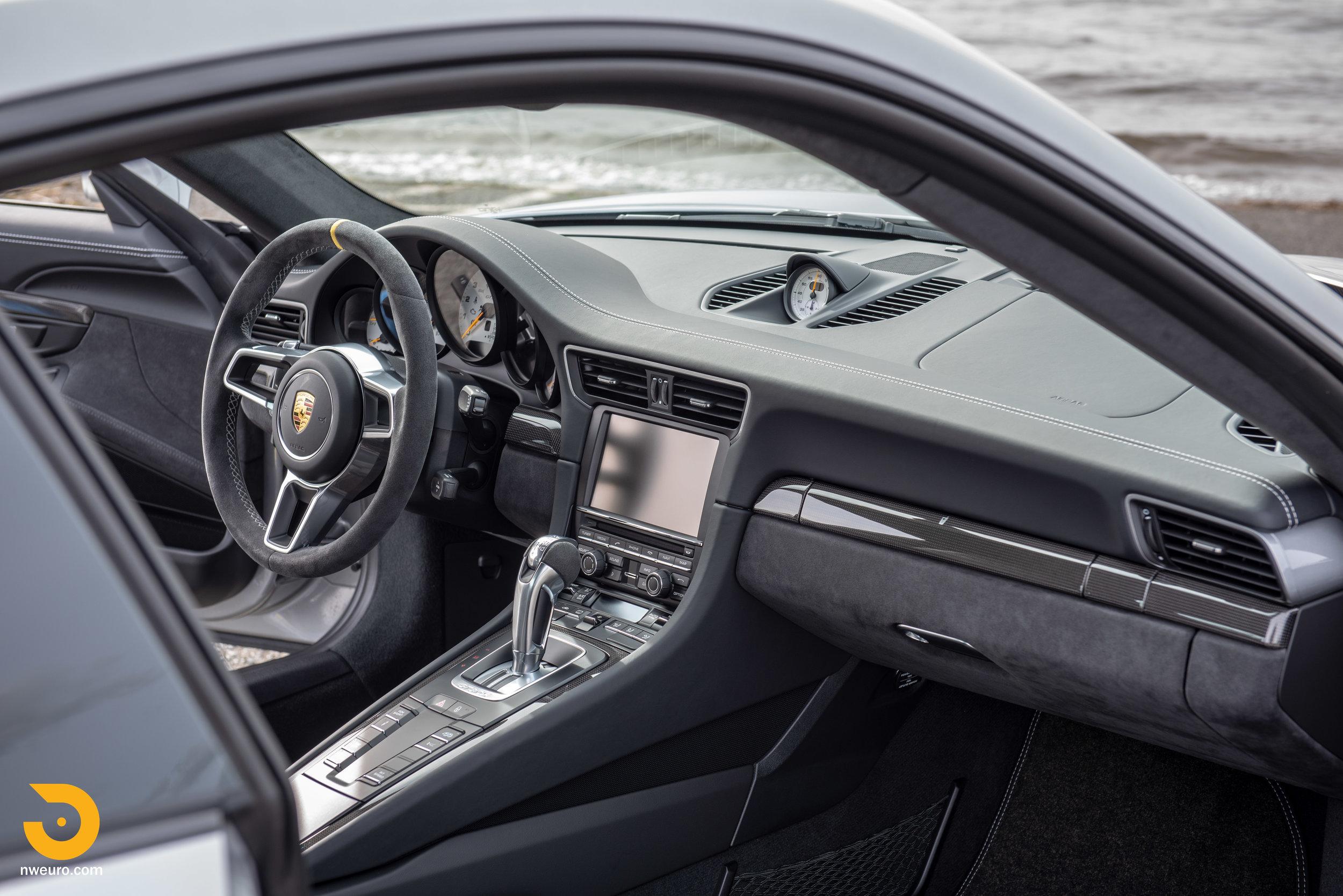 2016 Porsche GT3 RS-61.jpg