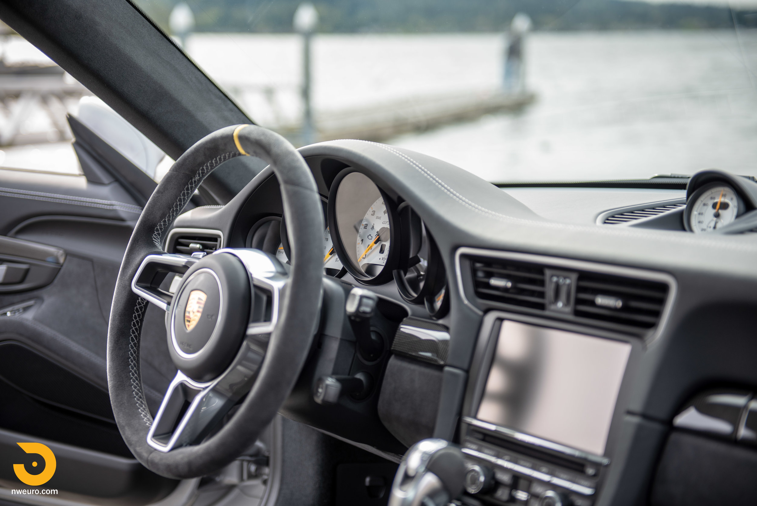 2016 Porsche GT3 RS-71.jpg