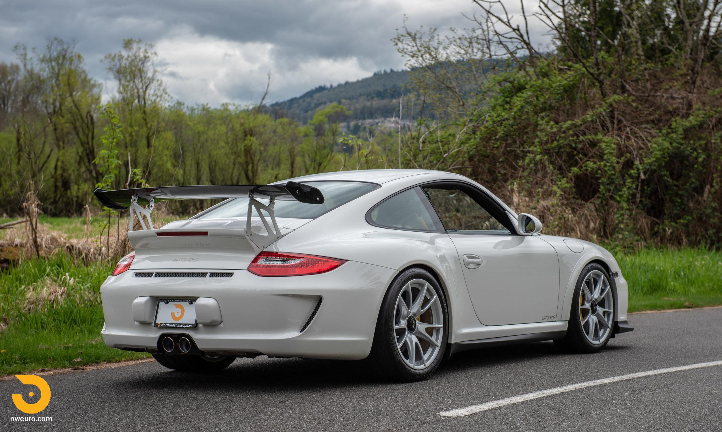 2011 Porsche GT3 RS-2.jpg