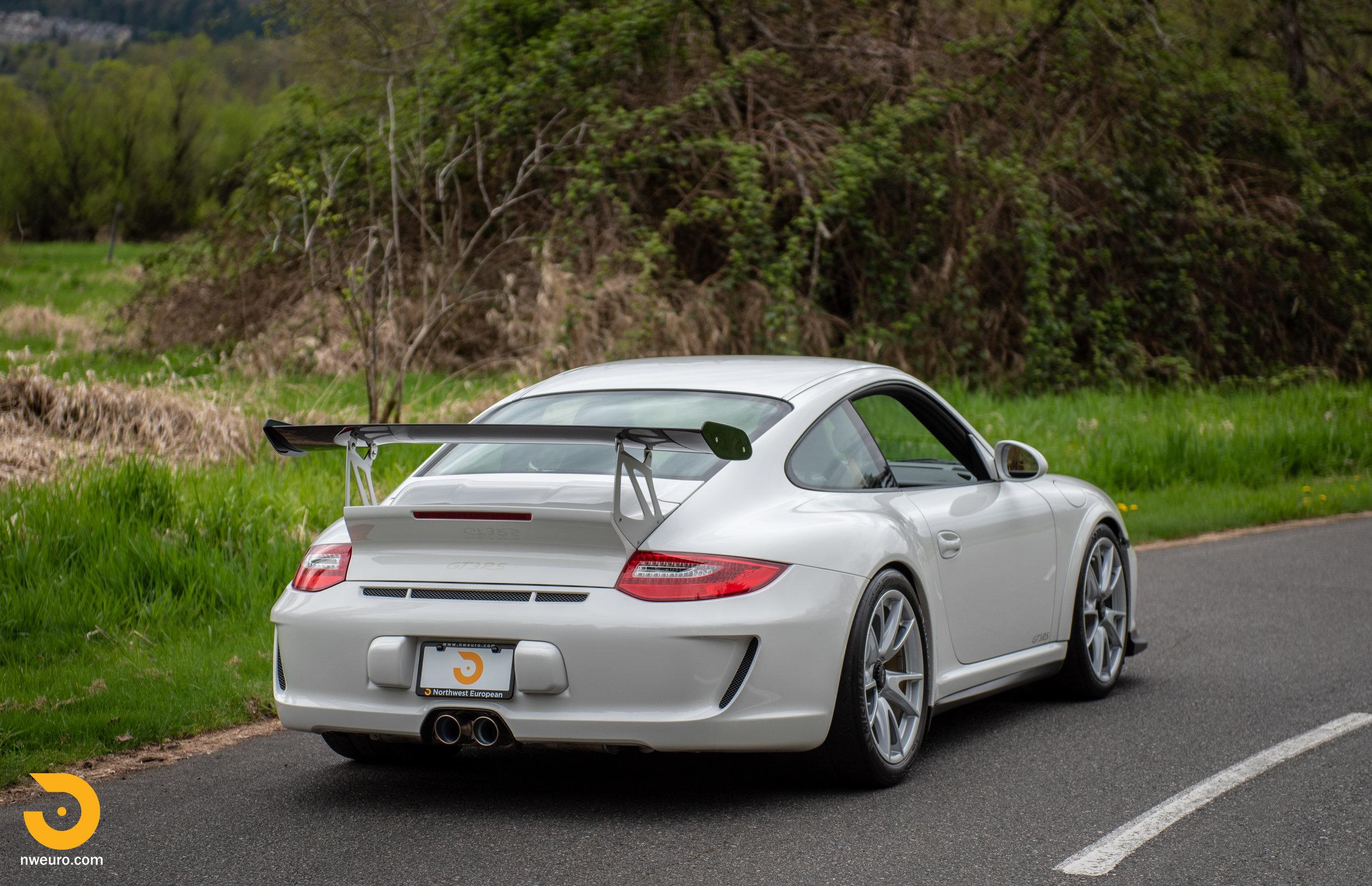 2011 Porsche GT3 RS-1.jpg