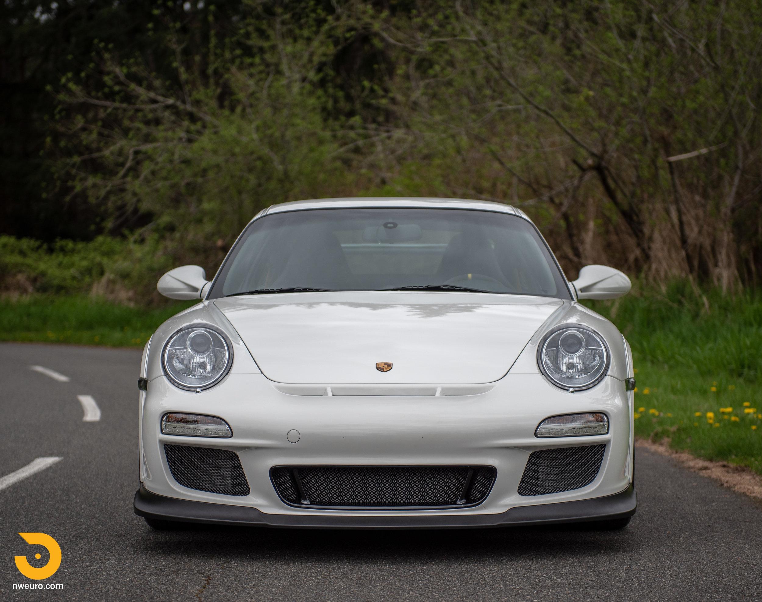 2011 Porsche GT3 RS-8.jpg