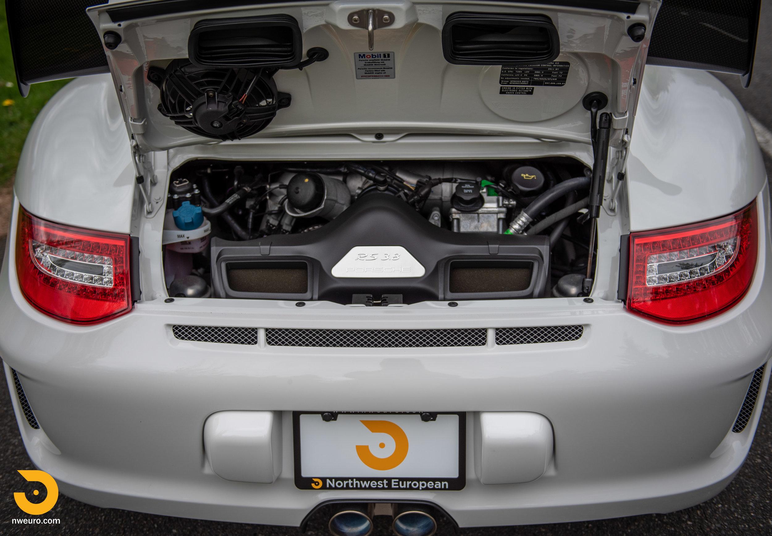 2011 Porsche GT3 RS-14.jpg