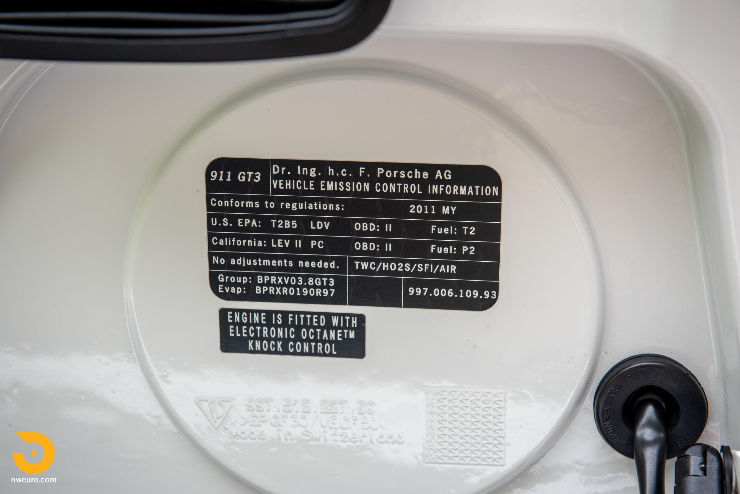 2011 Porsche GT3 RS-16.jpg
