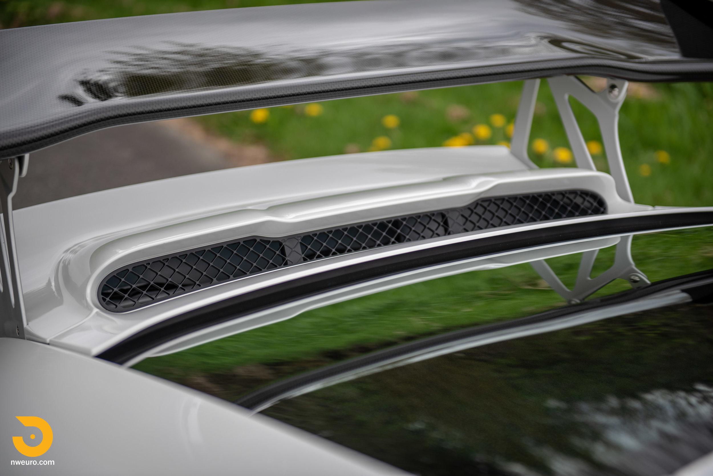 2011 Porsche GT3 RS-20.jpg