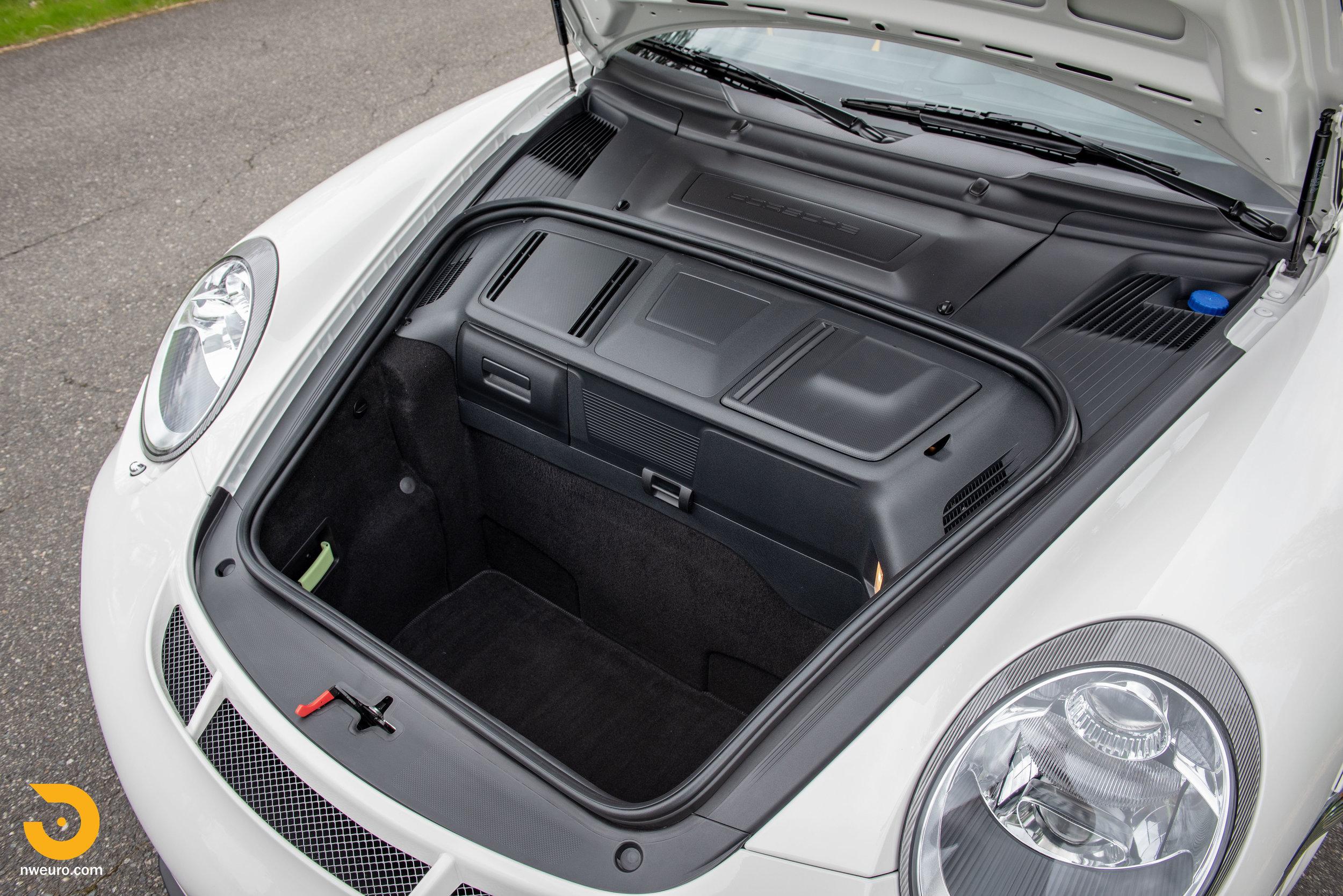 2011 Porsche GT3 RS-22.jpg