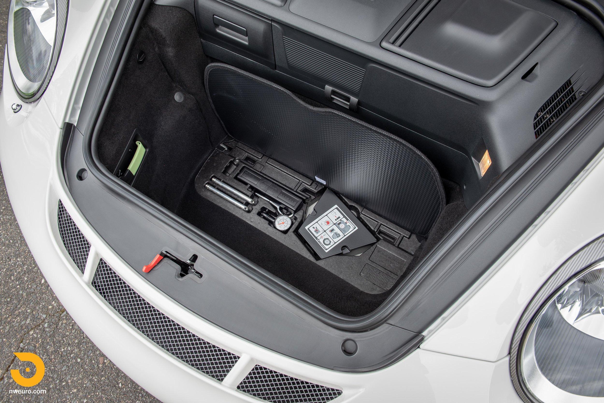 2011 Porsche GT3 RS-23.jpg